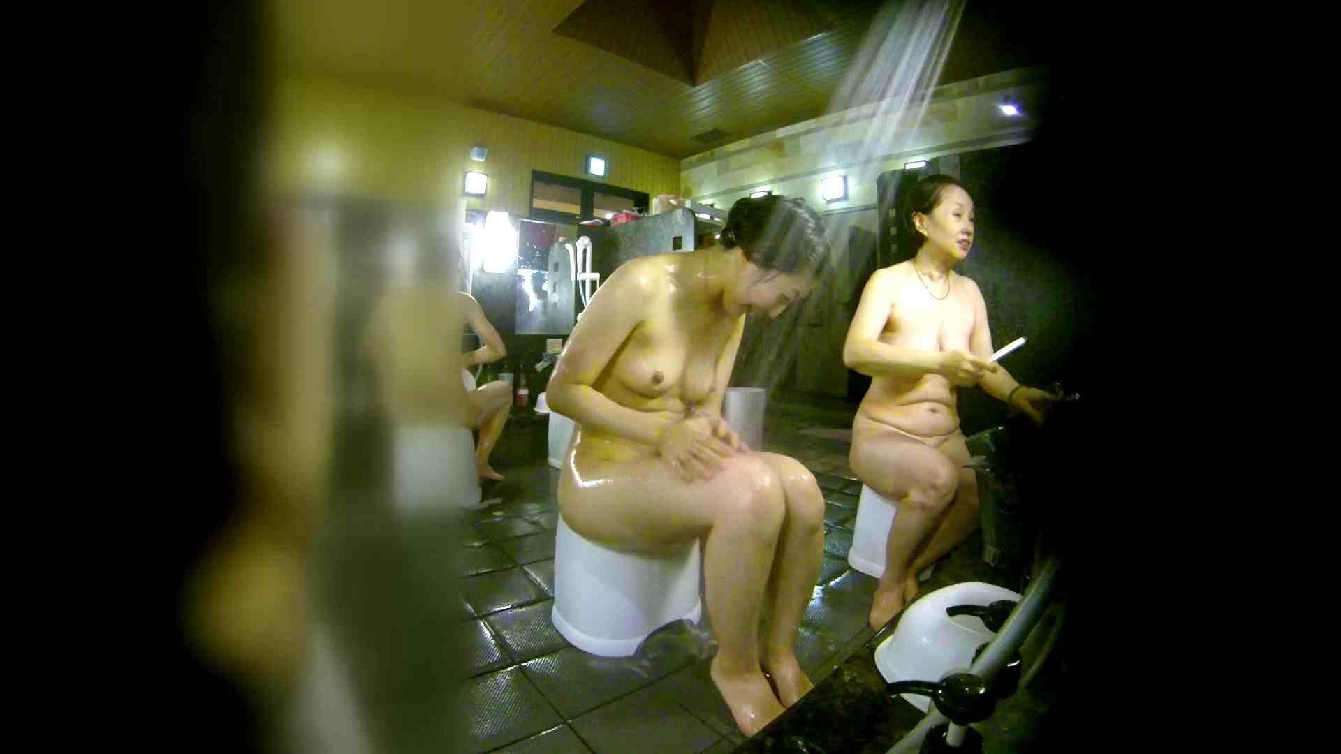 洗い場!右足の位置がいいですね。陰毛もっさり! 潜入 オメコ動画キャプチャ 111画像 54