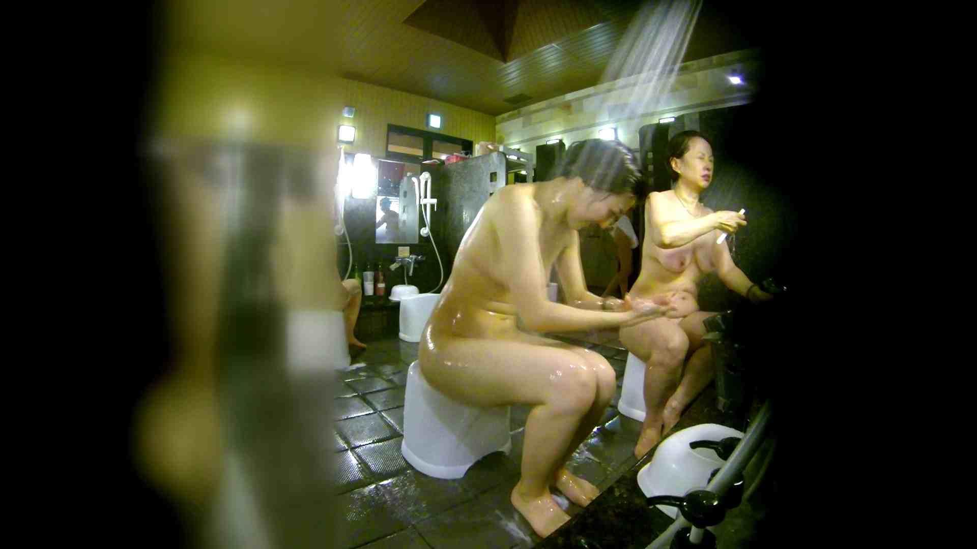 洗い場!右足の位置がいいですね。陰毛もっさり! 女湯 ワレメ無修正動画無料 111画像 55