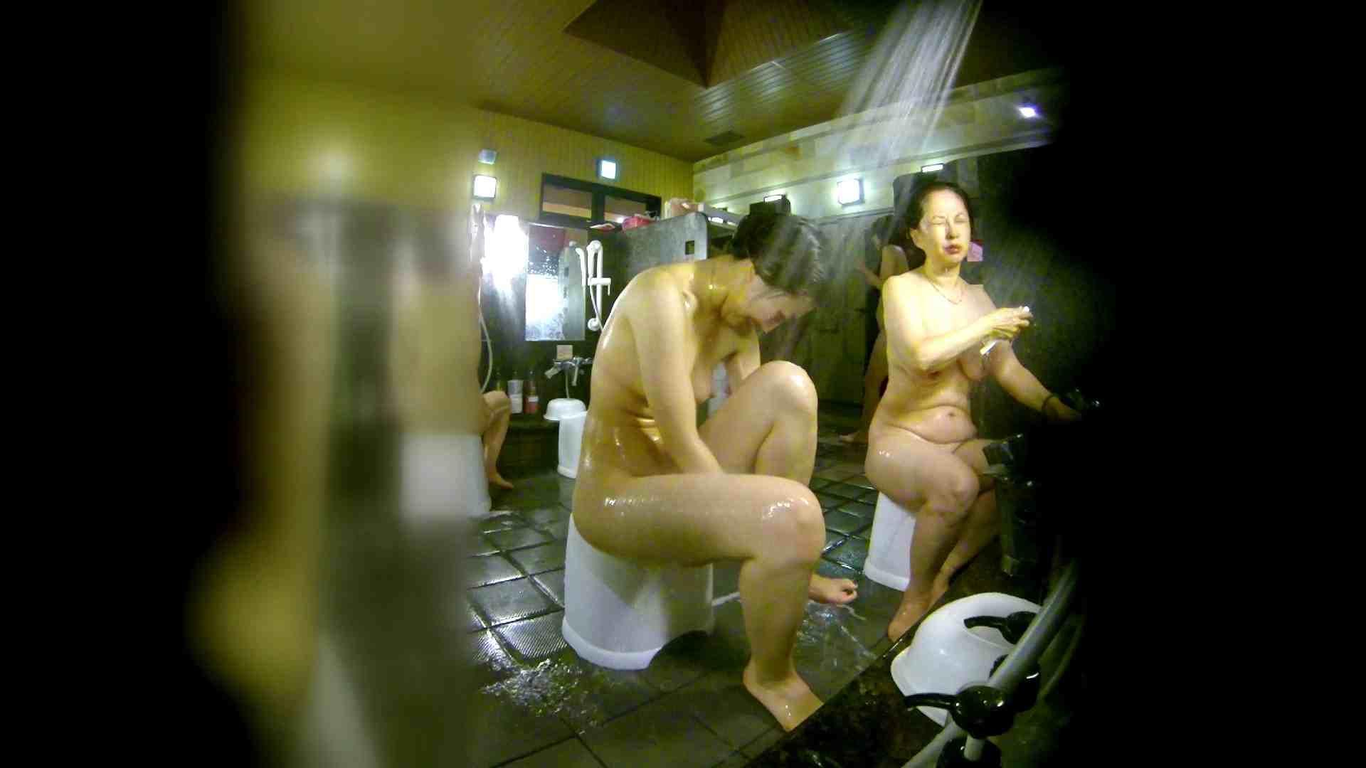 洗い場!右足の位置がいいですね。陰毛もっさり! 銭湯着替え  111画像 56
