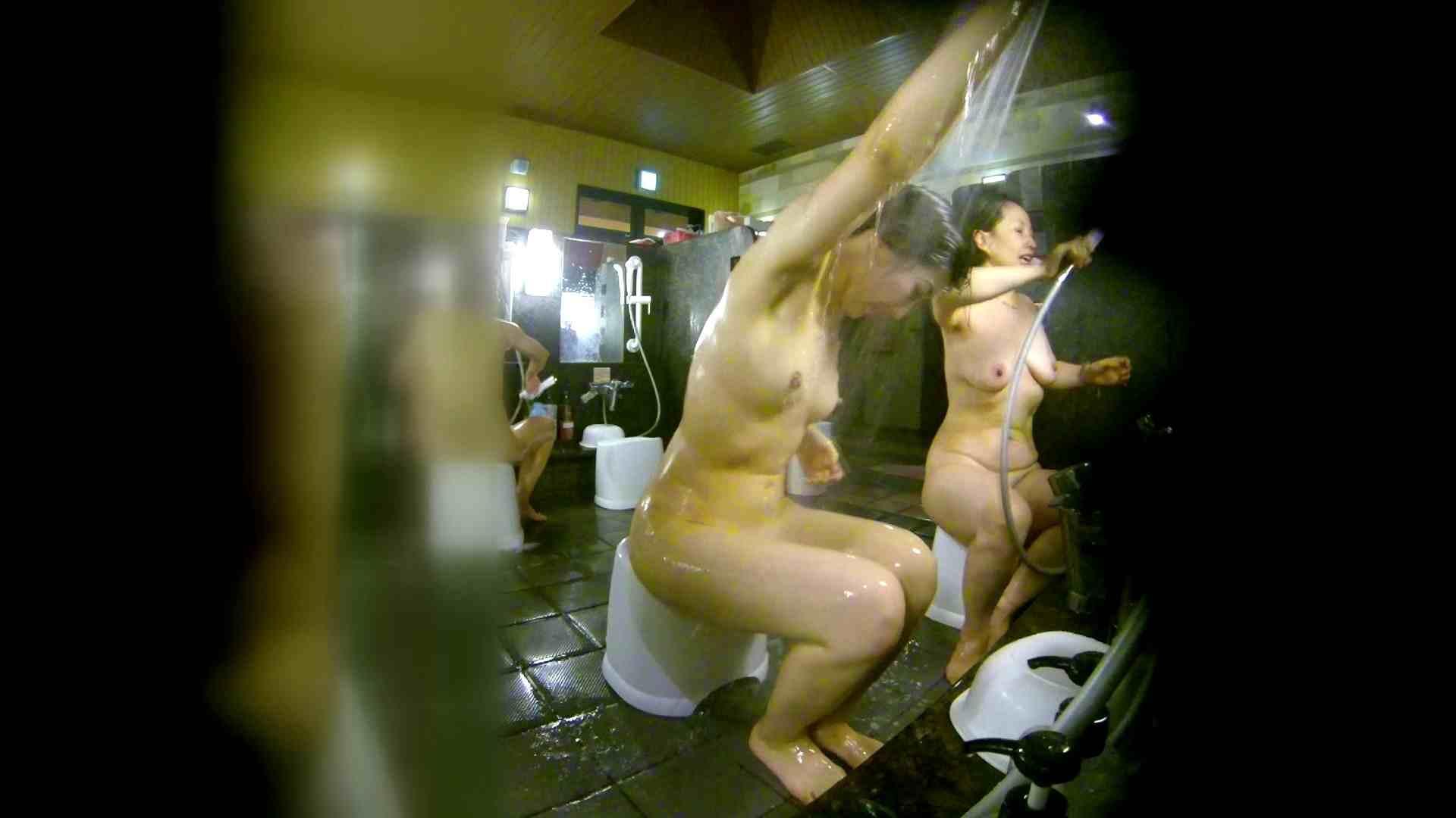 洗い場!右足の位置がいいですね。陰毛もっさり! 潜入 オメコ動画キャプチャ 111画像 61
