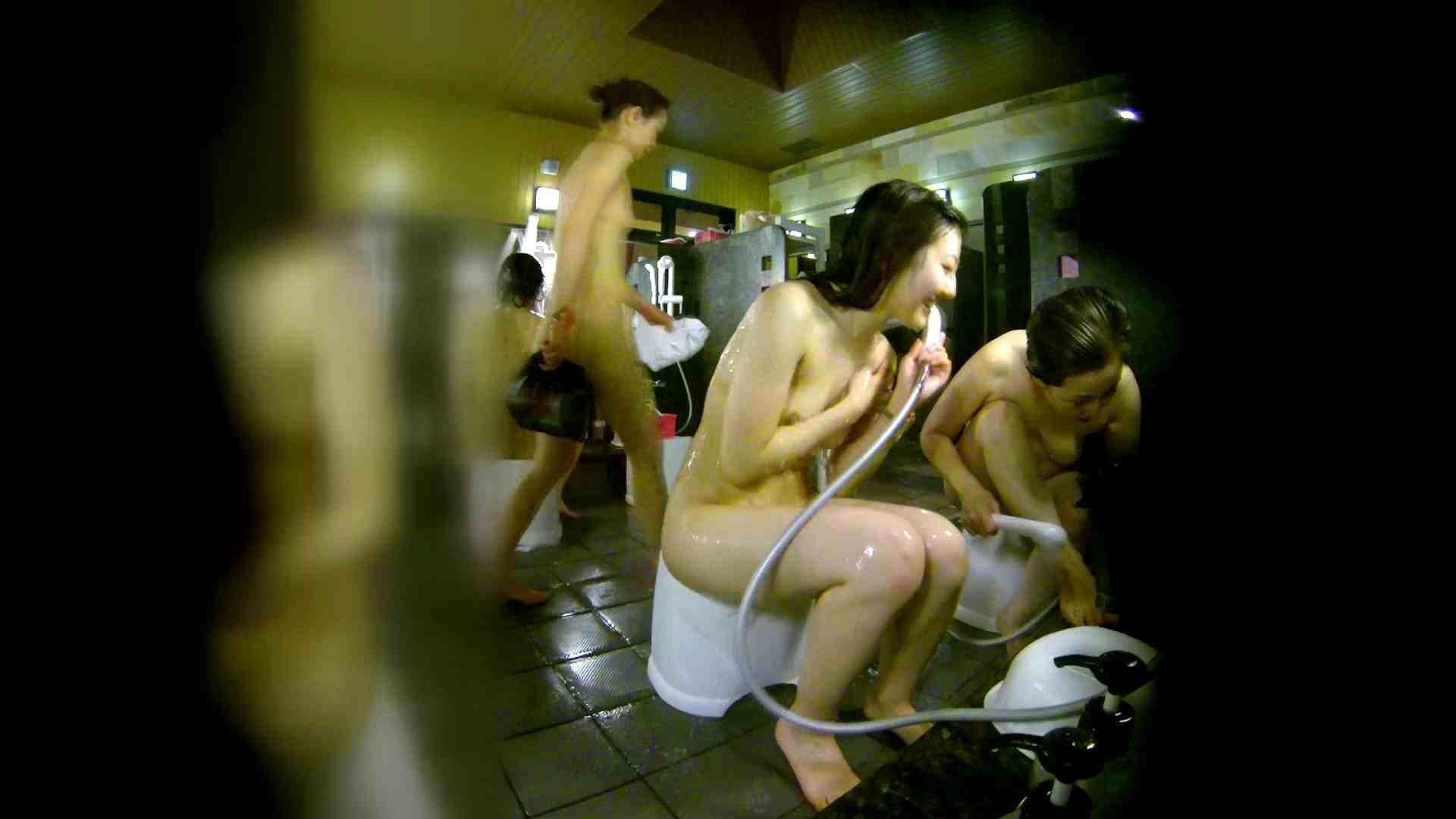 洗い場!右足の位置がいいですね。陰毛もっさり! 細身女性 すけべAV動画紹介 111画像 73