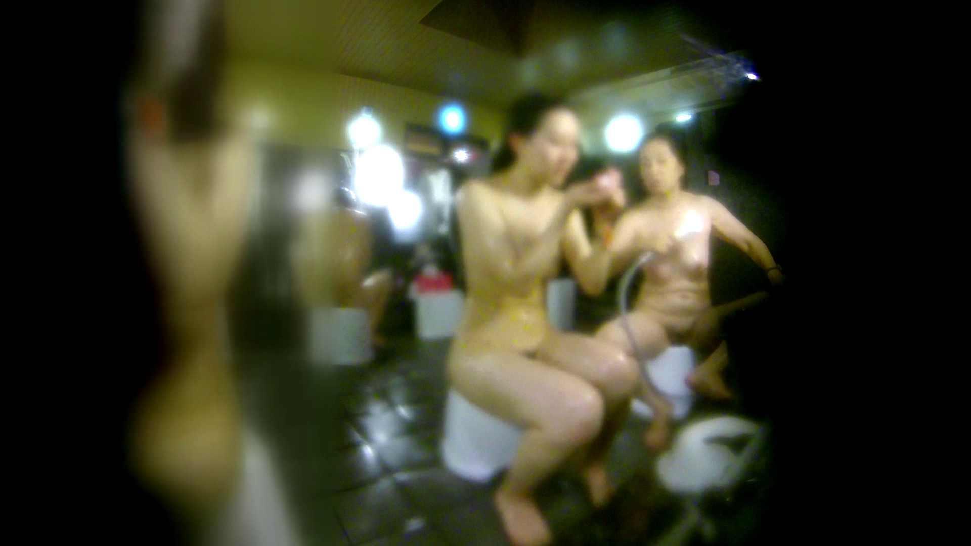 洗い場!右足の位置がいいですね。陰毛もっさり! 潜入 オメコ動画キャプチャ 111画像 96