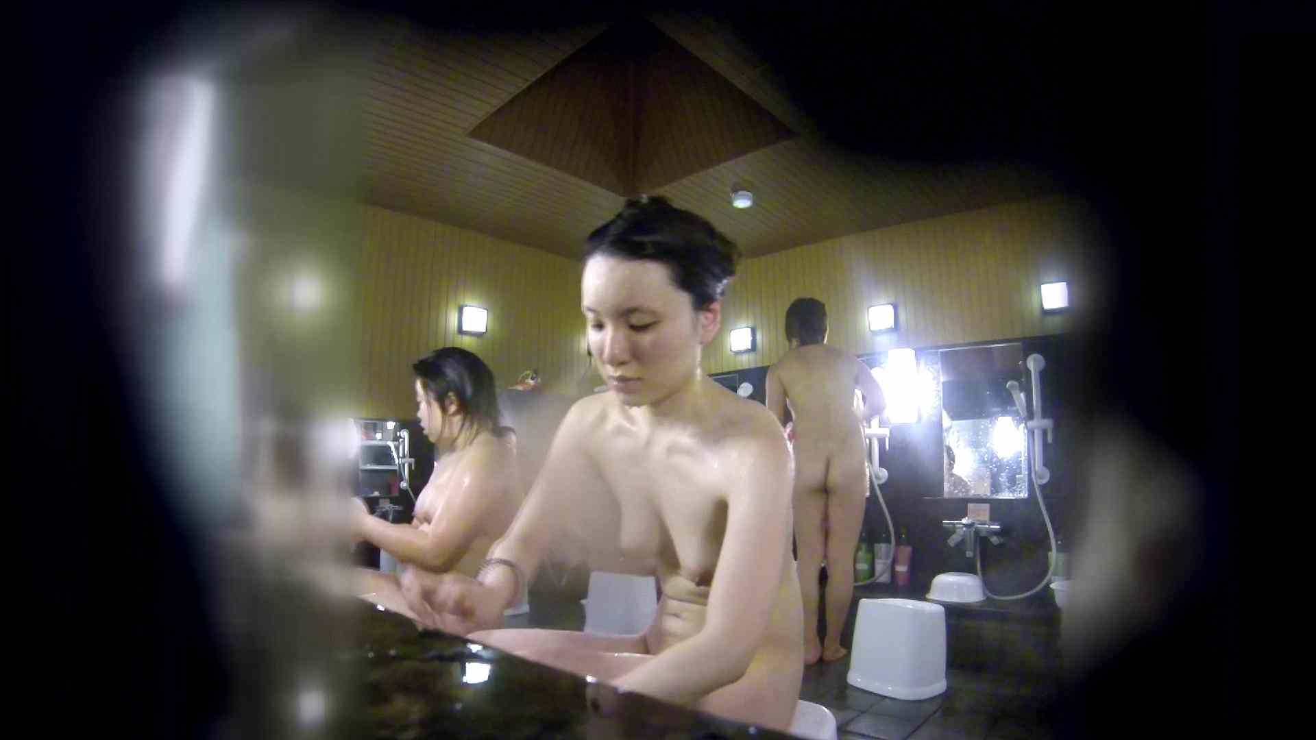 洗い場!アソコの毛辺の手入れで妄想が膨らみました。 銭湯着替え   桃色乳首  55画像 1