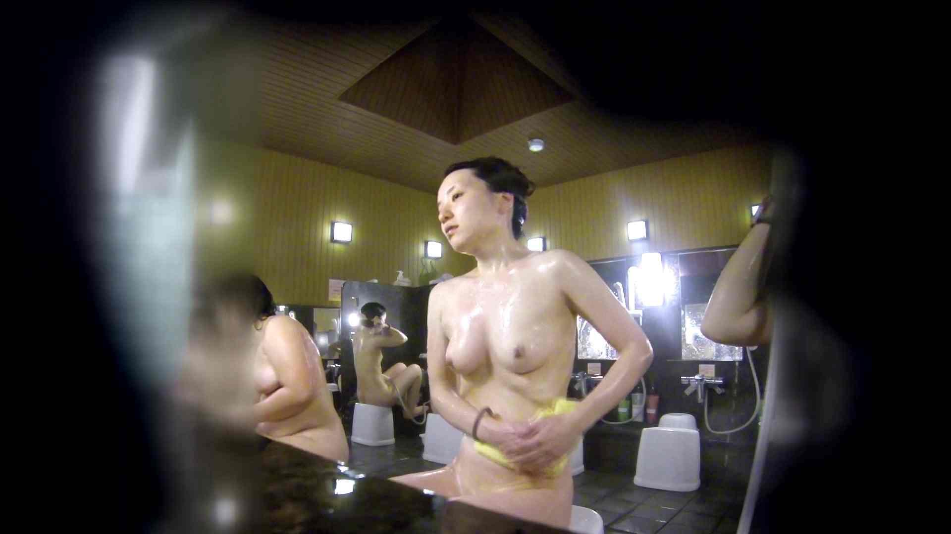洗い場!アソコの毛辺の手入れで妄想が膨らみました。 銭湯着替え   桃色乳首  55画像 49