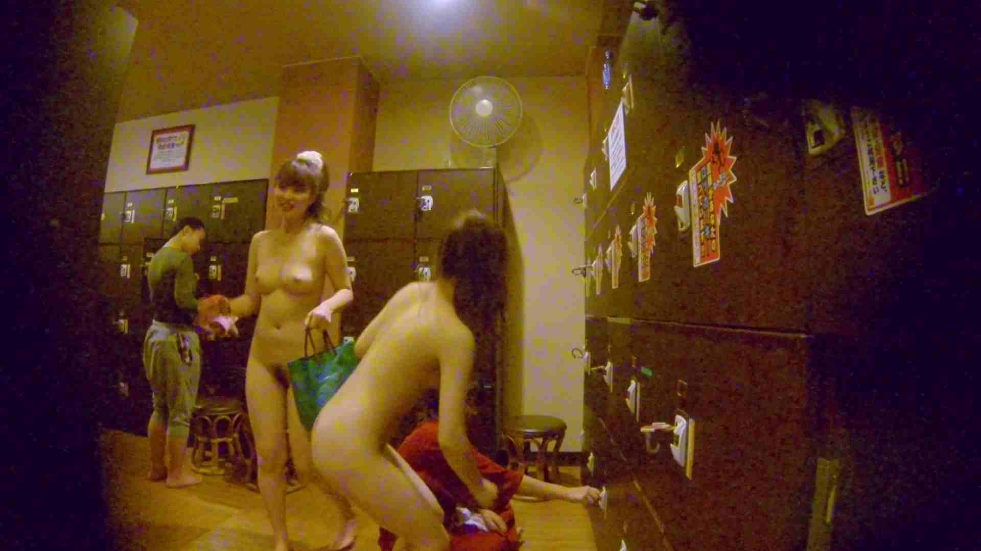 追い撮り!脱衣所から仲良し3人組を追跡。みんなイイ体・・。 美肌 AV無料 63画像 3