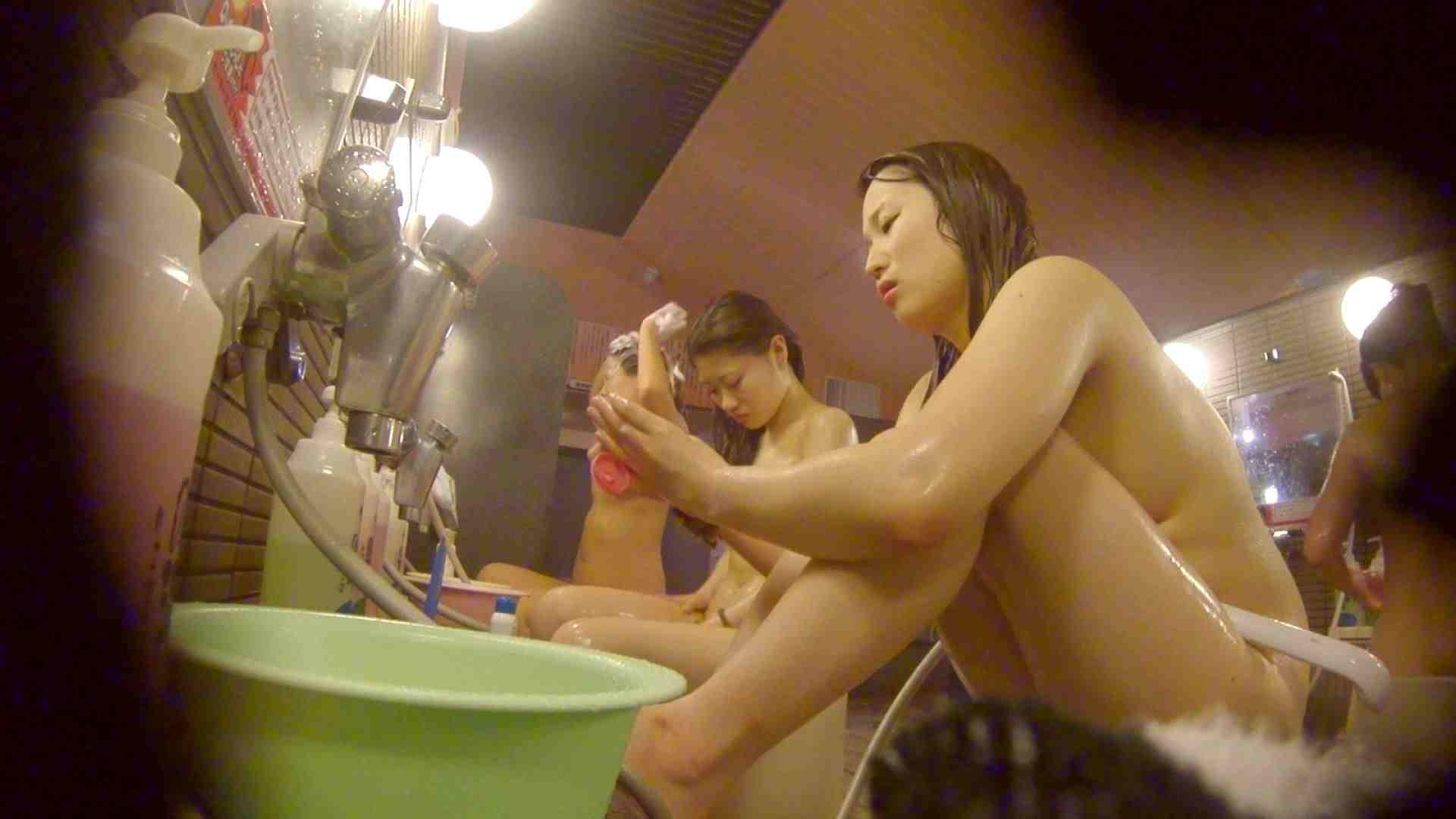 追い撮り!脱衣所から仲良し3人組を追跡。みんなイイ体・・。 脱衣所 セックス画像 63画像 43