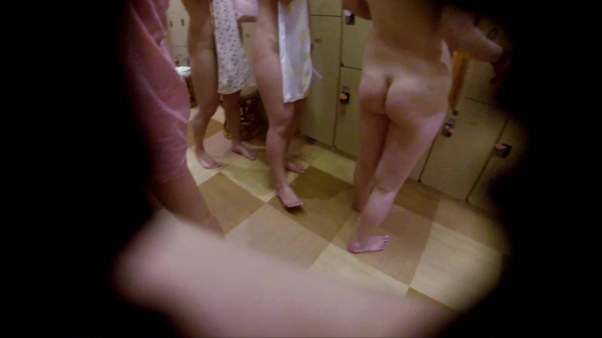 追い撮り!脱衣~洗い場、徹底追跡!撮り師さんに拍手!! むっちり | 追跡  95画像 28