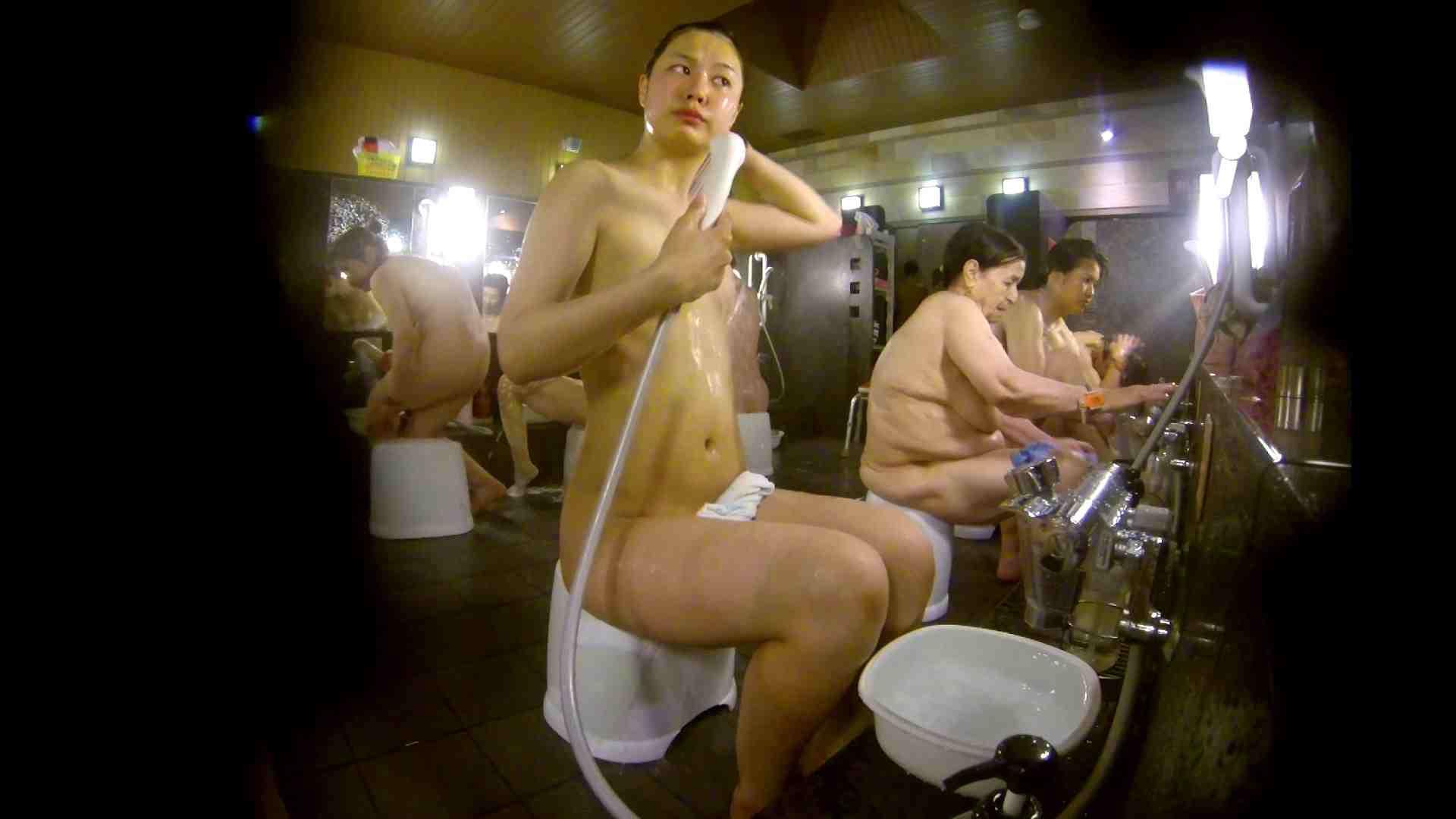 追い撮り!脱衣~洗い場、徹底追跡!撮り師さんに拍手!! 女湯 アダルト動画キャプチャ 95画像 33