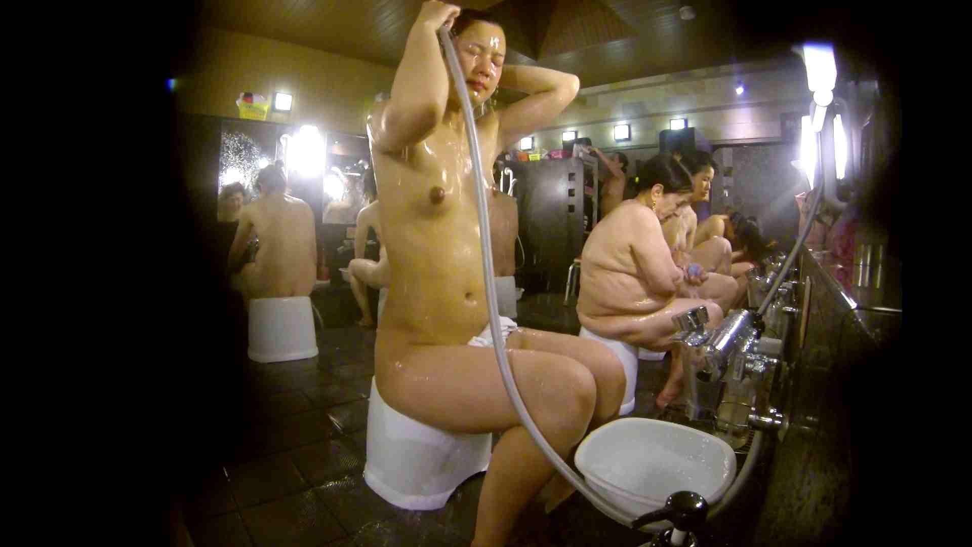 追い撮り!脱衣~洗い場、徹底追跡!撮り師さんに拍手!! むっちり | 追跡  95画像 37