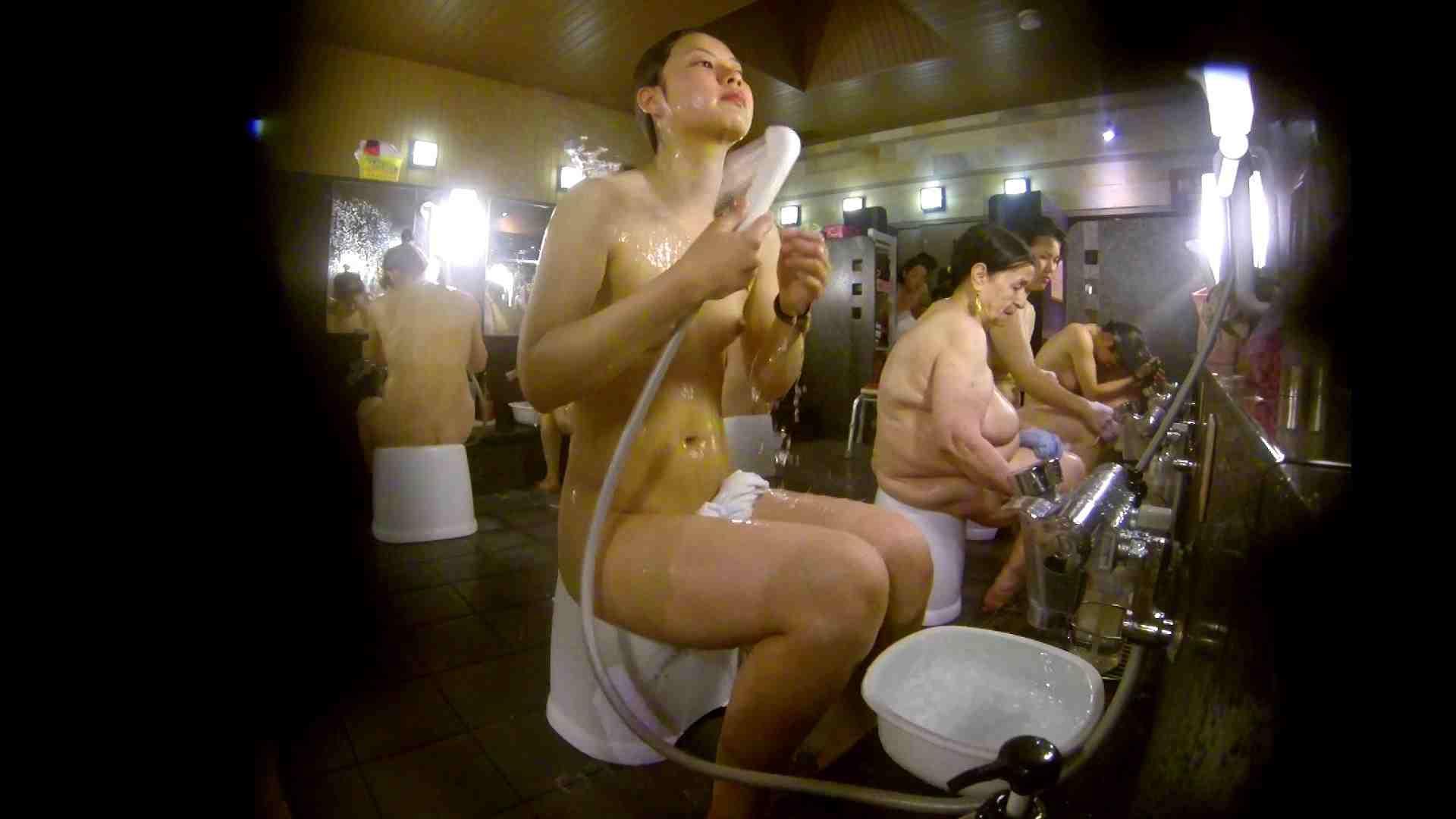 追い撮り!脱衣~洗い場、徹底追跡!撮り師さんに拍手!! 美乳 ワレメ動画紹介 95画像 39