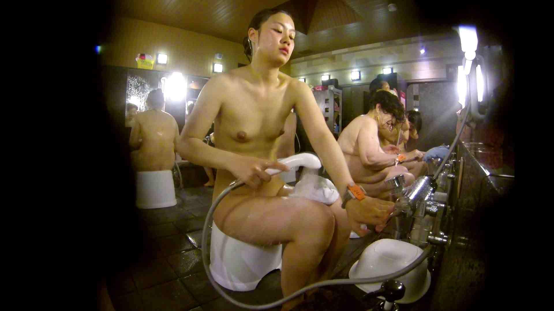 追い撮り!脱衣~洗い場、徹底追跡!撮り師さんに拍手!! むっちり | 追跡  95画像 55