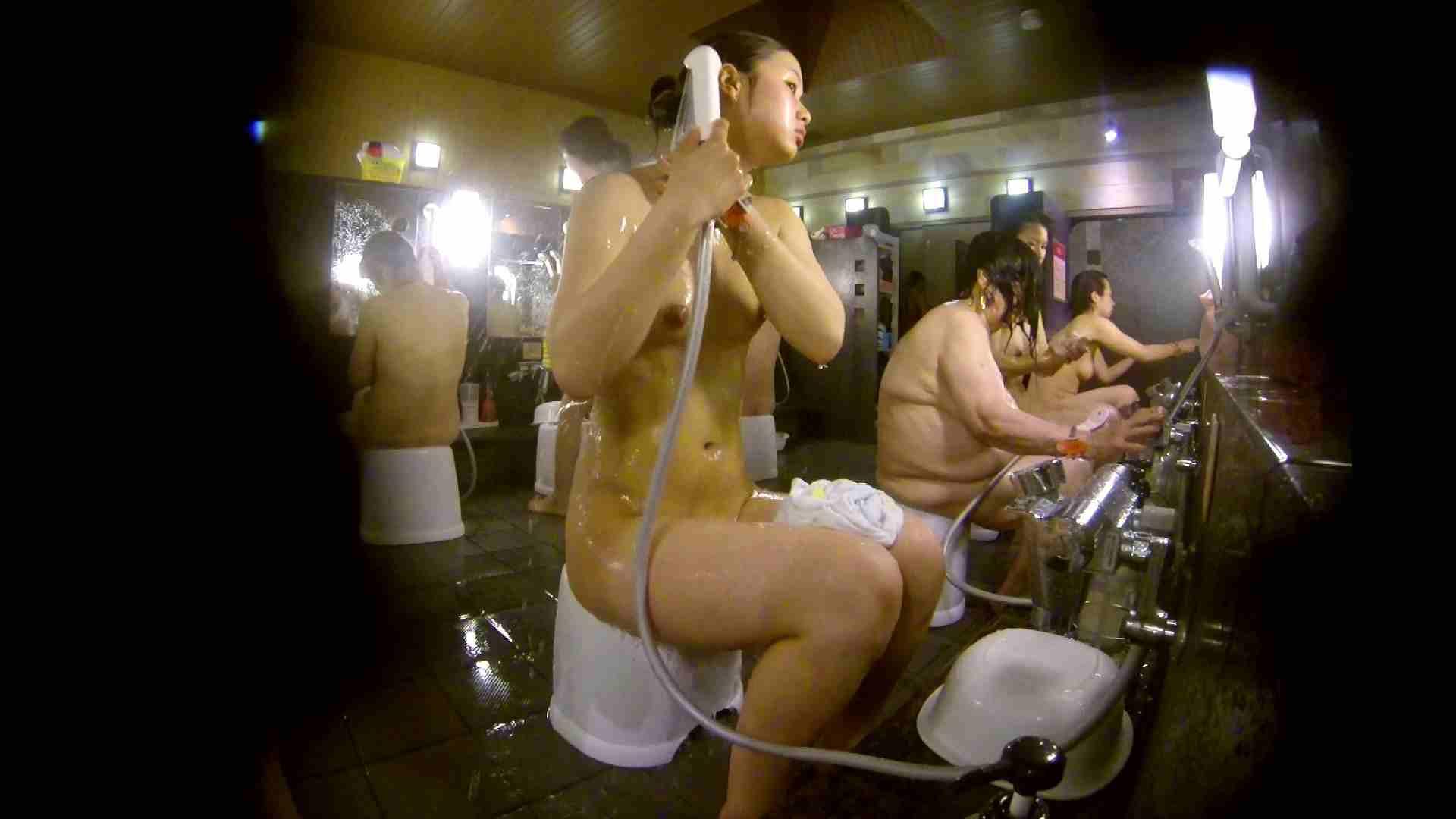 追い撮り!脱衣~洗い場、徹底追跡!撮り師さんに拍手!! むっちり | 追跡  95画像 64