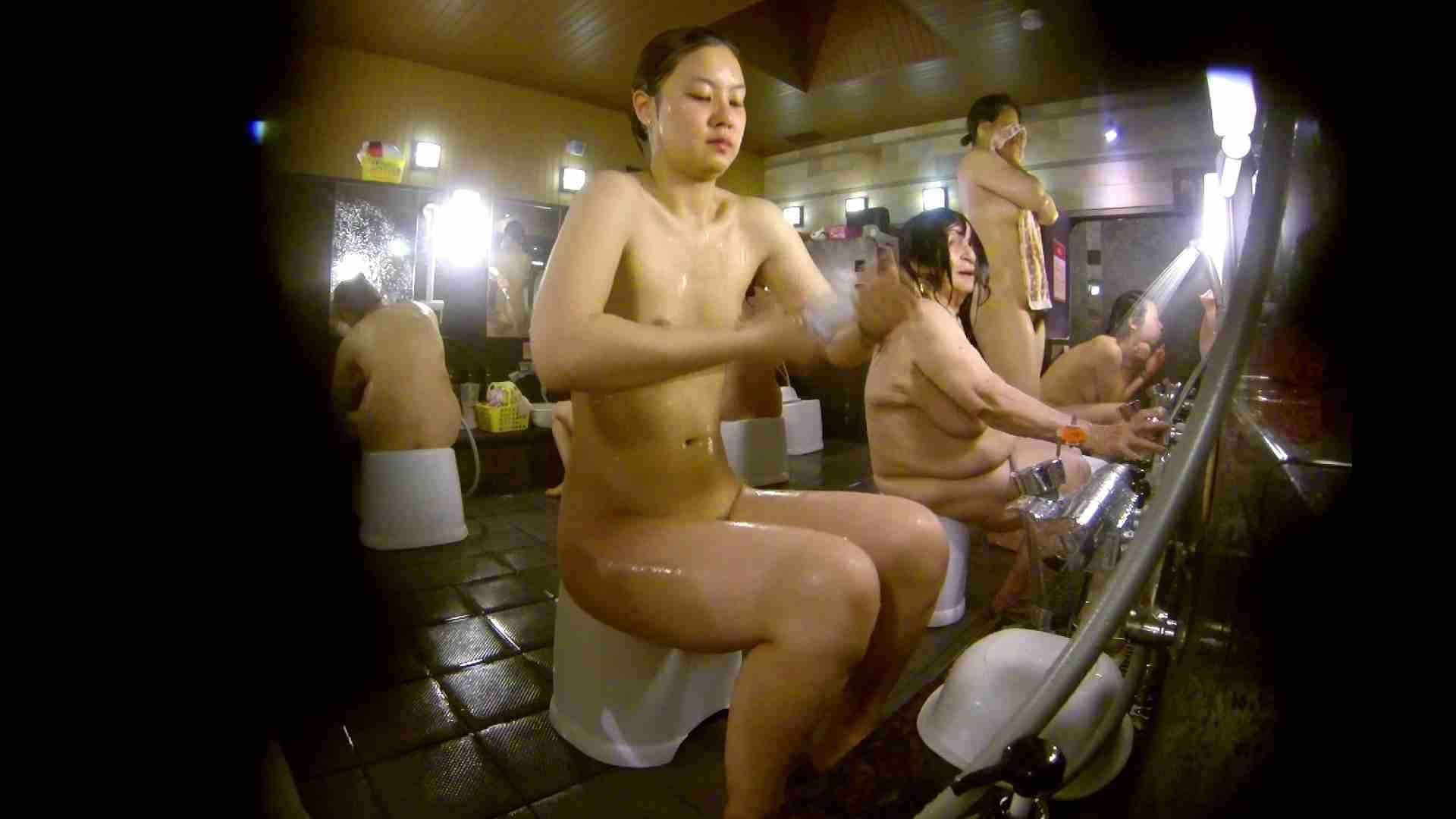 追い撮り!脱衣~洗い場、徹底追跡!撮り師さんに拍手!! 女湯 アダルト動画キャプチャ 95画像 69