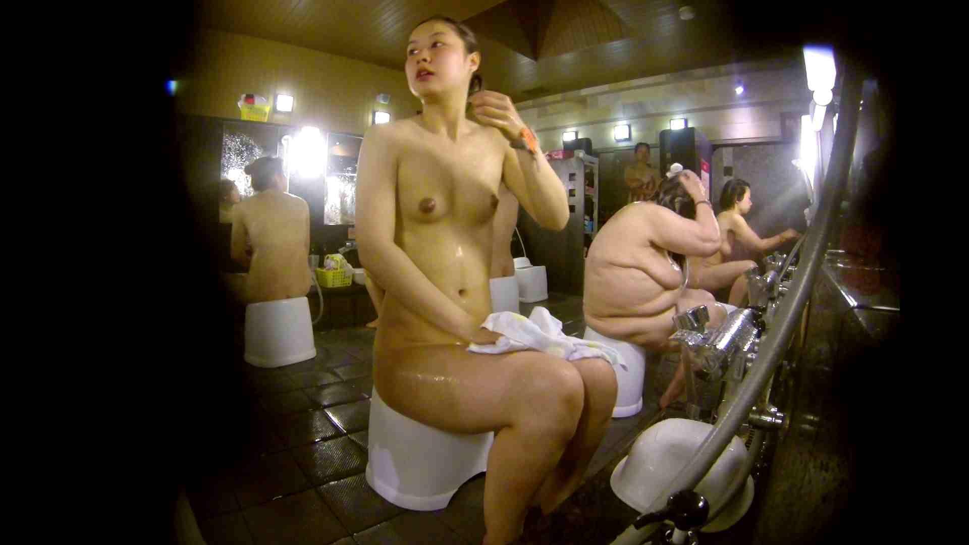 追い撮り!脱衣~洗い場、徹底追跡!撮り師さんに拍手!! むっちり  95画像 72