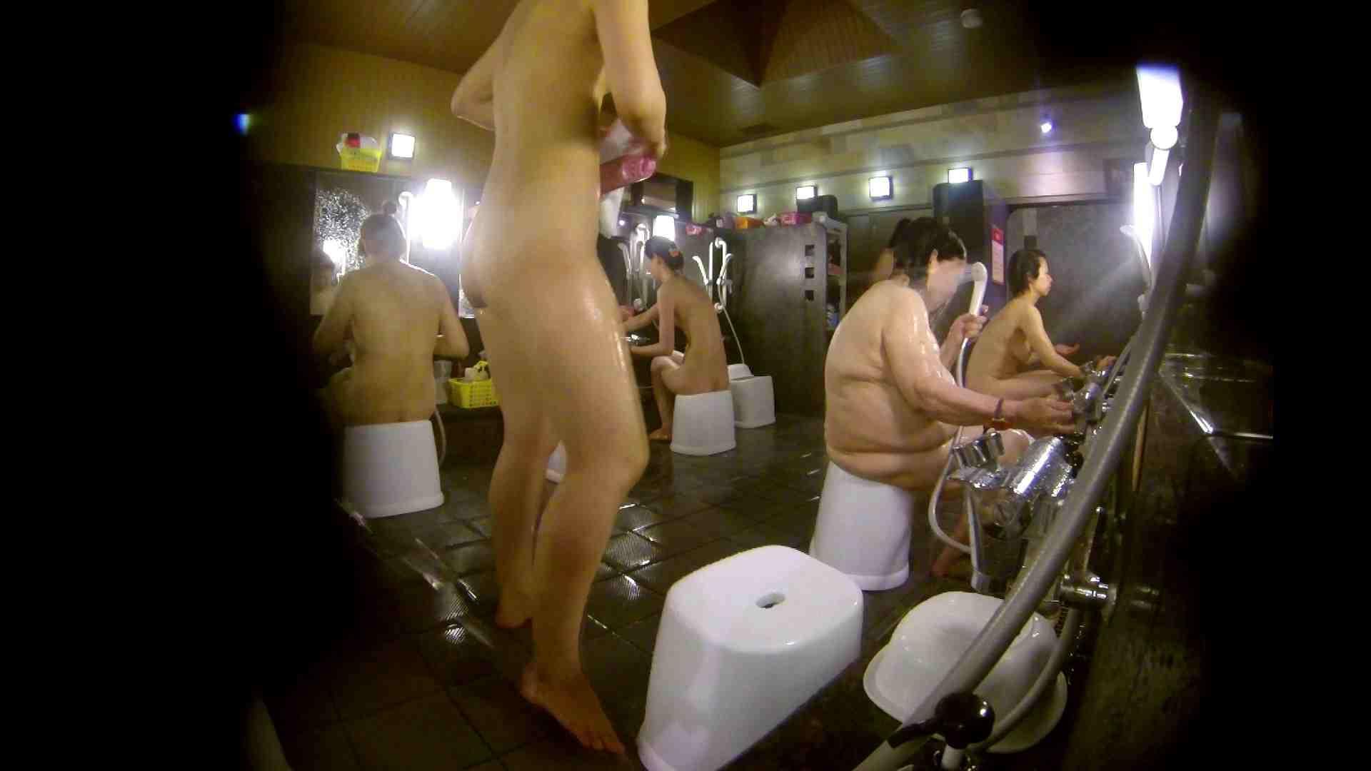 追い撮り!脱衣~洗い場、徹底追跡!撮り師さんに拍手!! 美乳 ワレメ動画紹介 95画像 75