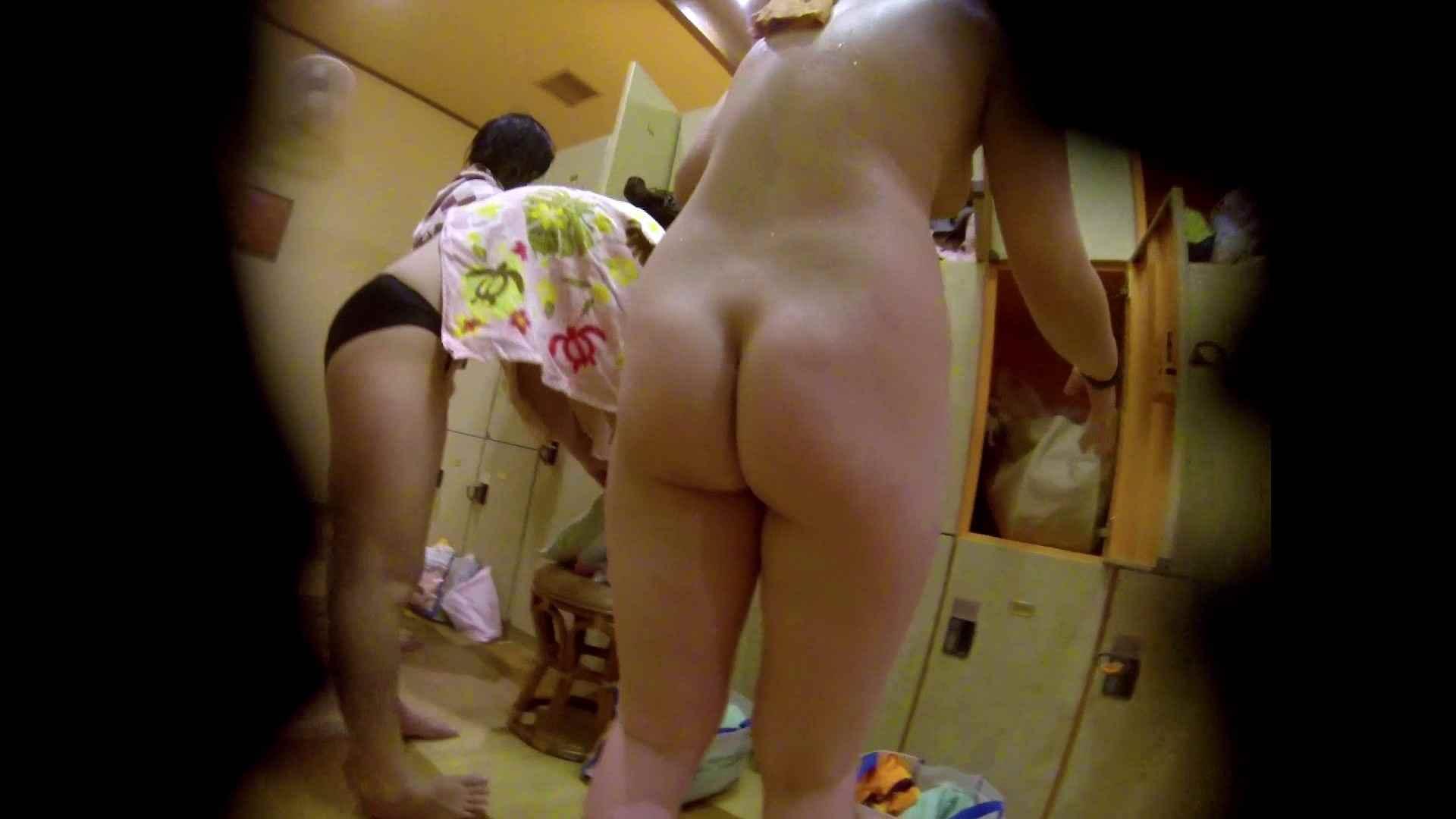 追い撮り!脱衣~洗い場、徹底追跡!撮り師さんに拍手!! 潜入 スケベ動画紹介 95画像 77