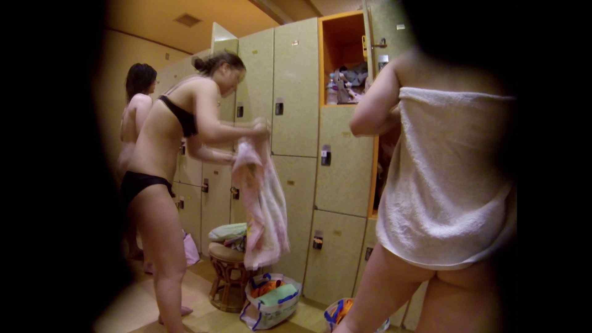 追い撮り!脱衣~洗い場、徹底追跡!撮り師さんに拍手!! むっちり | 追跡  95画像 82