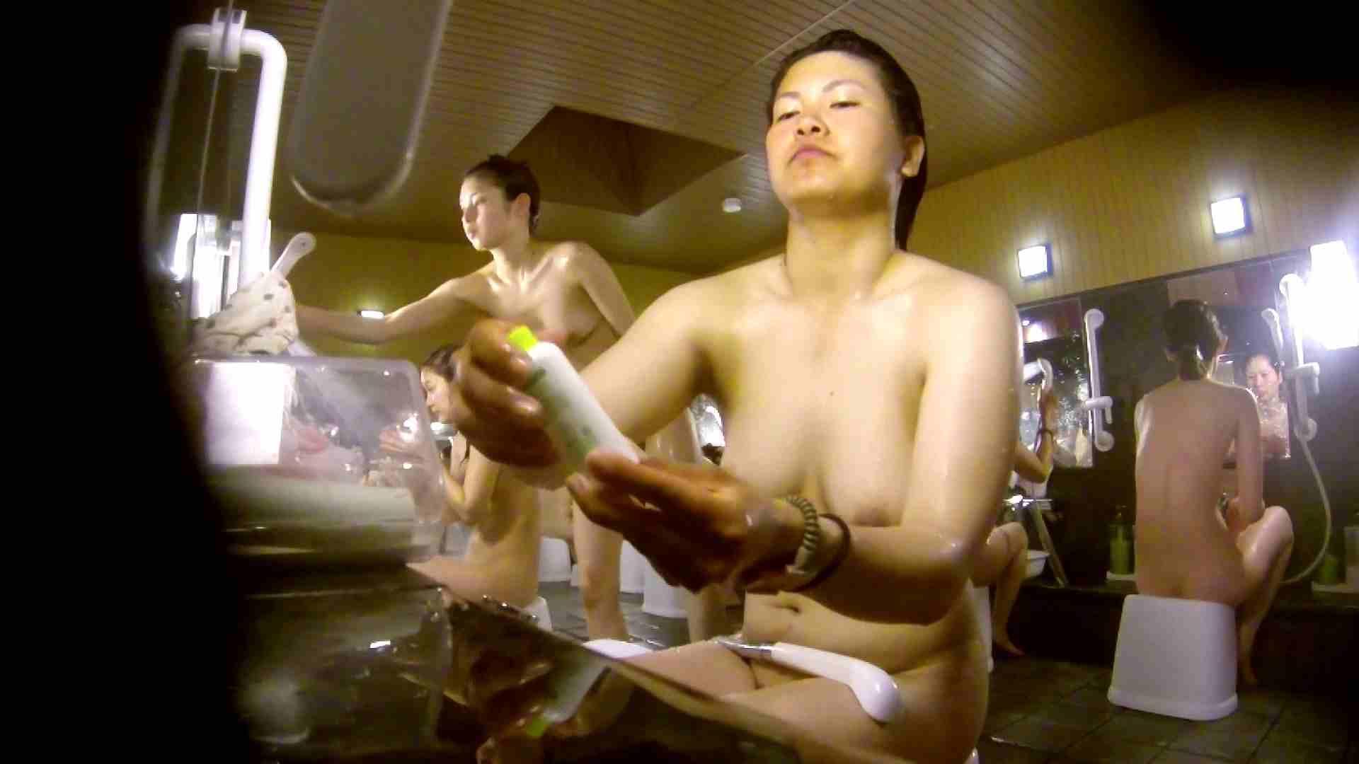 微妙な二人と立ち姿女体のオムニバス 銭湯着替え アダルト動画キャプチャ 59画像 53