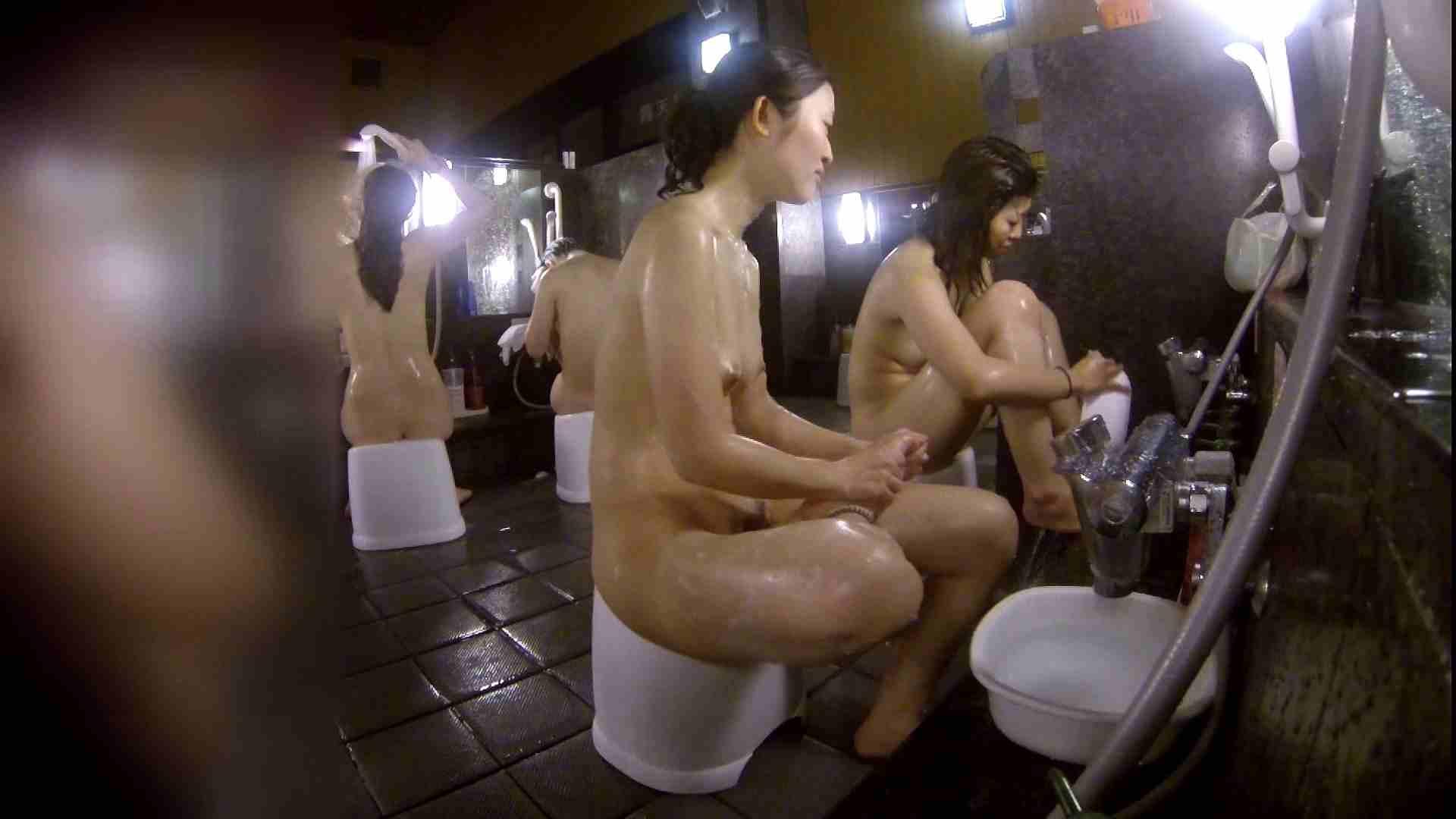 洗い場!地味目の女の子2人組。ずっと話しながら洗ってます。 むっちり ぱこり動画紹介 52画像 21