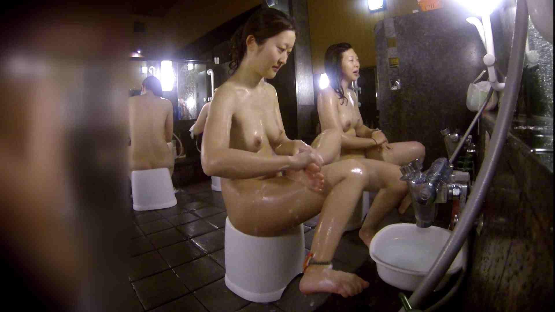 洗い場!地味目の女の子2人組。ずっと話しながら洗ってます。 細身女性 ヌード画像 52画像 27