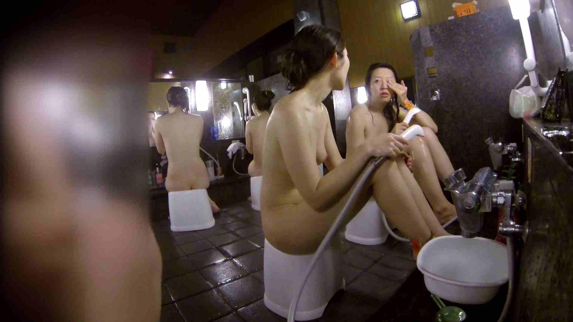 洗い場!地味目の女の子2人組。ずっと話しながら洗ってます。 友人・知人 おまんこ動画流出 52画像 39