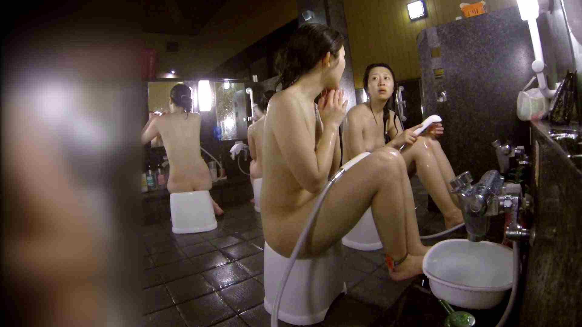 洗い場!地味目の女の子2人組。ずっと話しながら洗ってます。 むっちり ぱこり動画紹介 52画像 45
