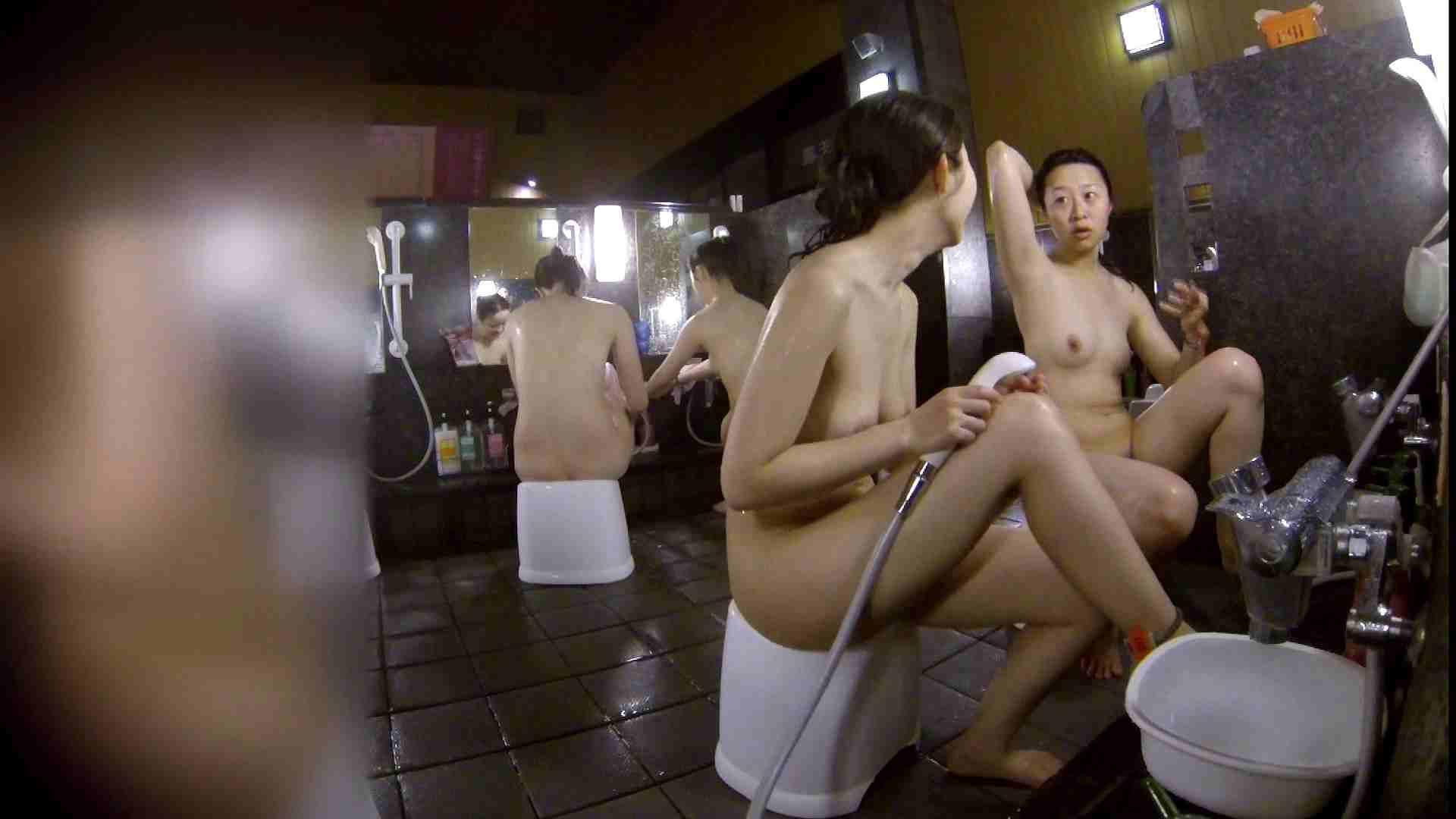 洗い場!地味目の女の子2人組。ずっと話しながら洗ってます。 銭湯着替え  52画像 48