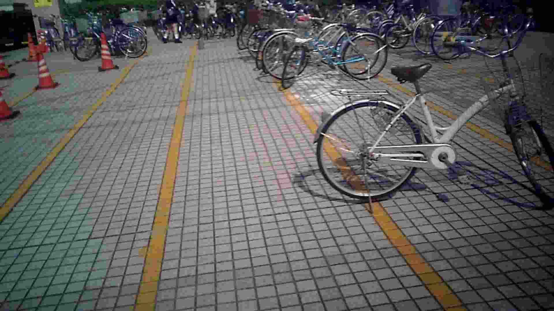 自転車パンチラ Vol.04 丸見え   車  55画像 1