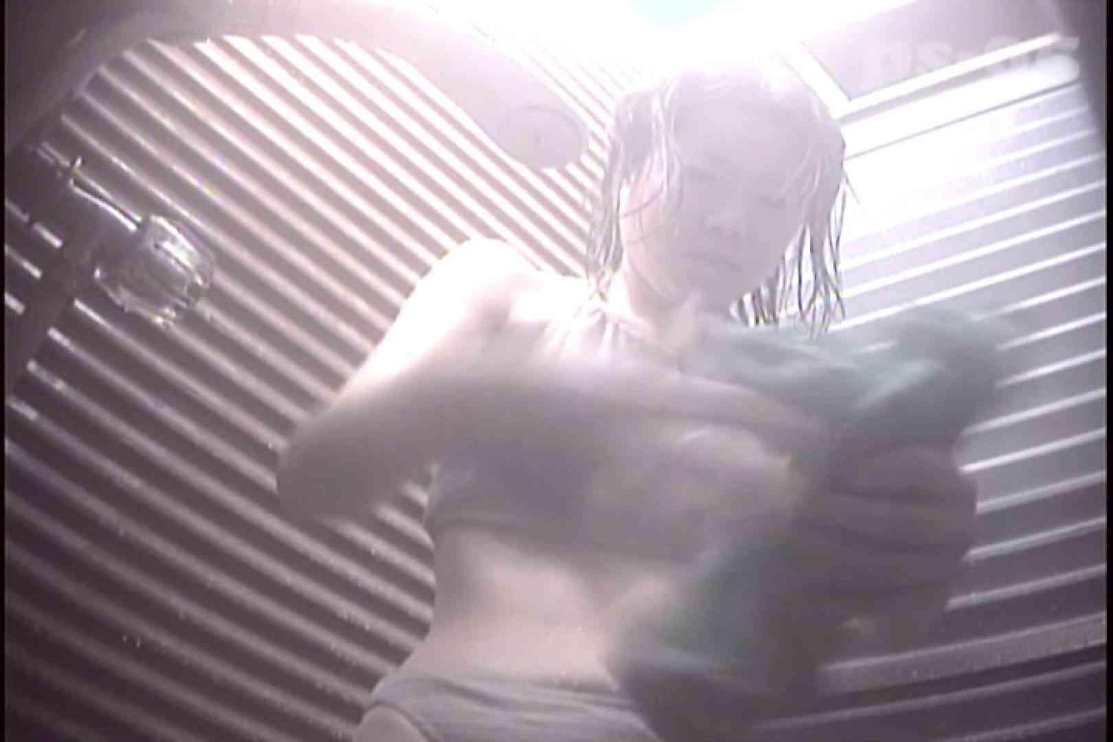 File.31 出ました陰茎!見えちゃってます!! シャワー室 オマンコ動画キャプチャ 61画像 11