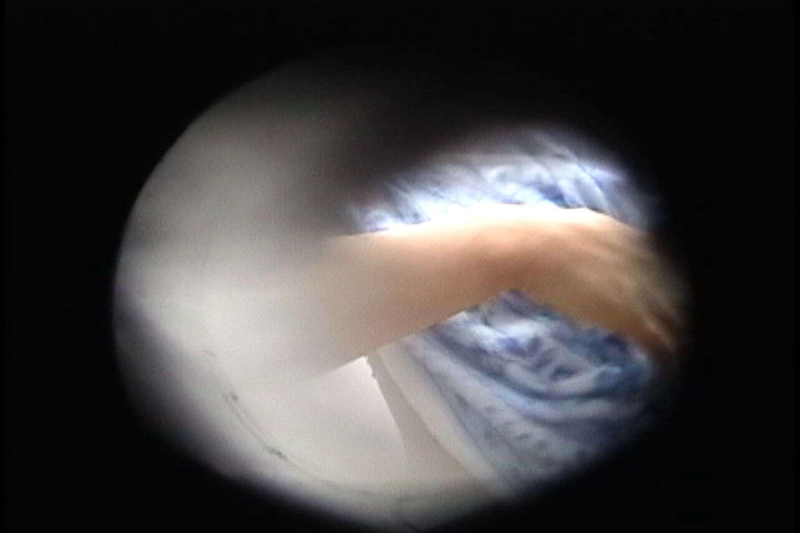 No.92 肉付きの良いマンコの真ん中に一本みち!! シャワー室 オメコ動画キャプチャ 49画像 29