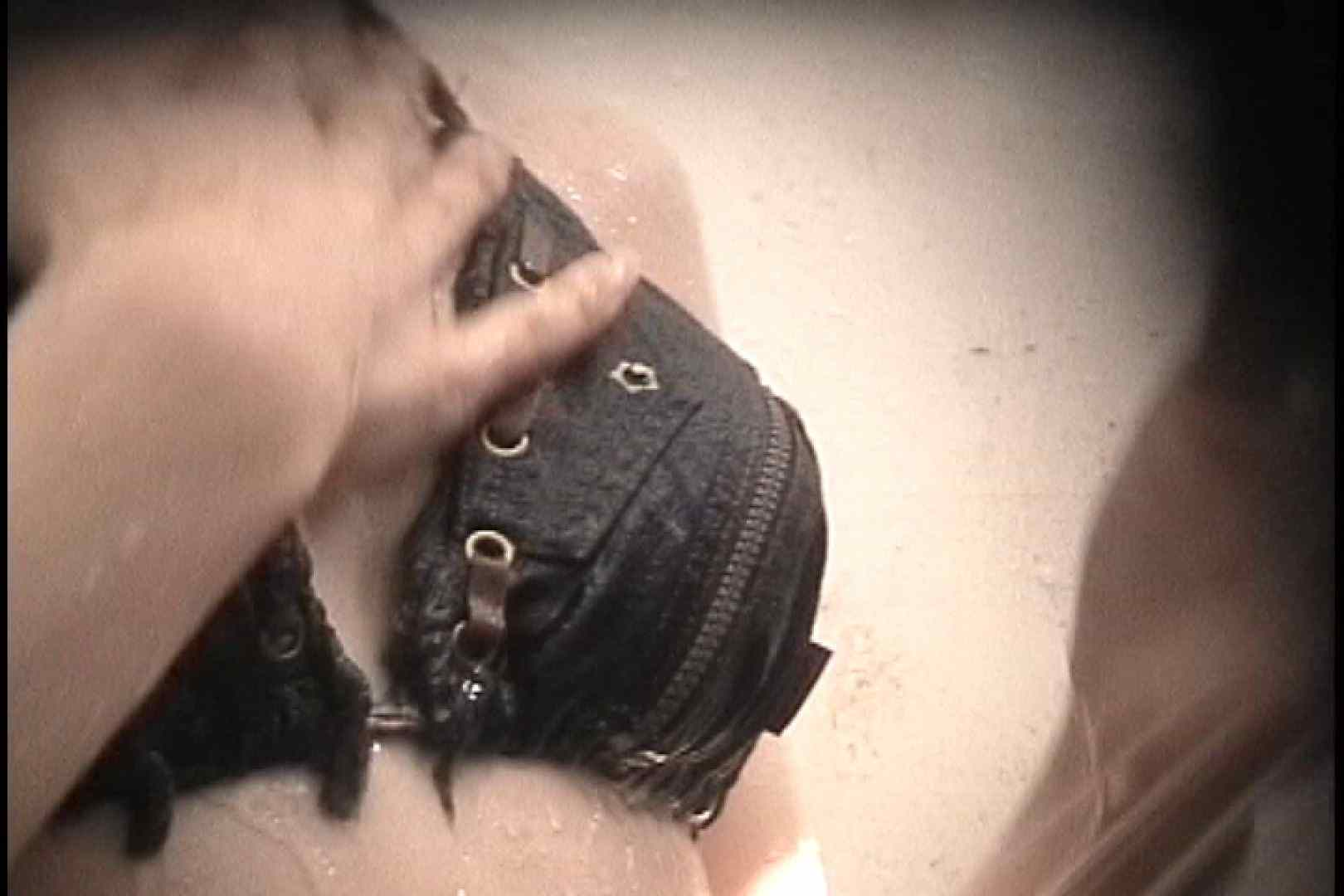 No.99 後ろに男の気配が 進展なし残念!! シャワー ワレメ無修正動画無料 109画像 33