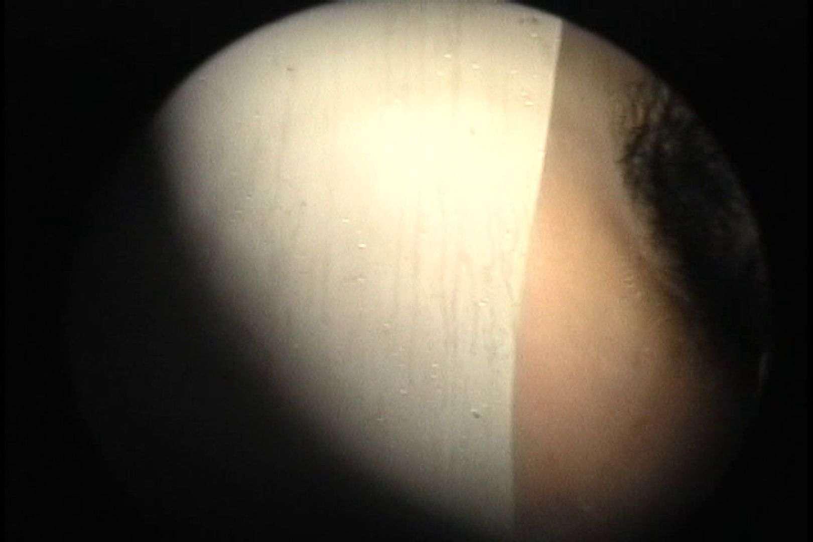 No.107 さすがの画質!濃い陰毛に阻まれ道が見えません 乙女だって。。。 | シャワー室  78画像 1