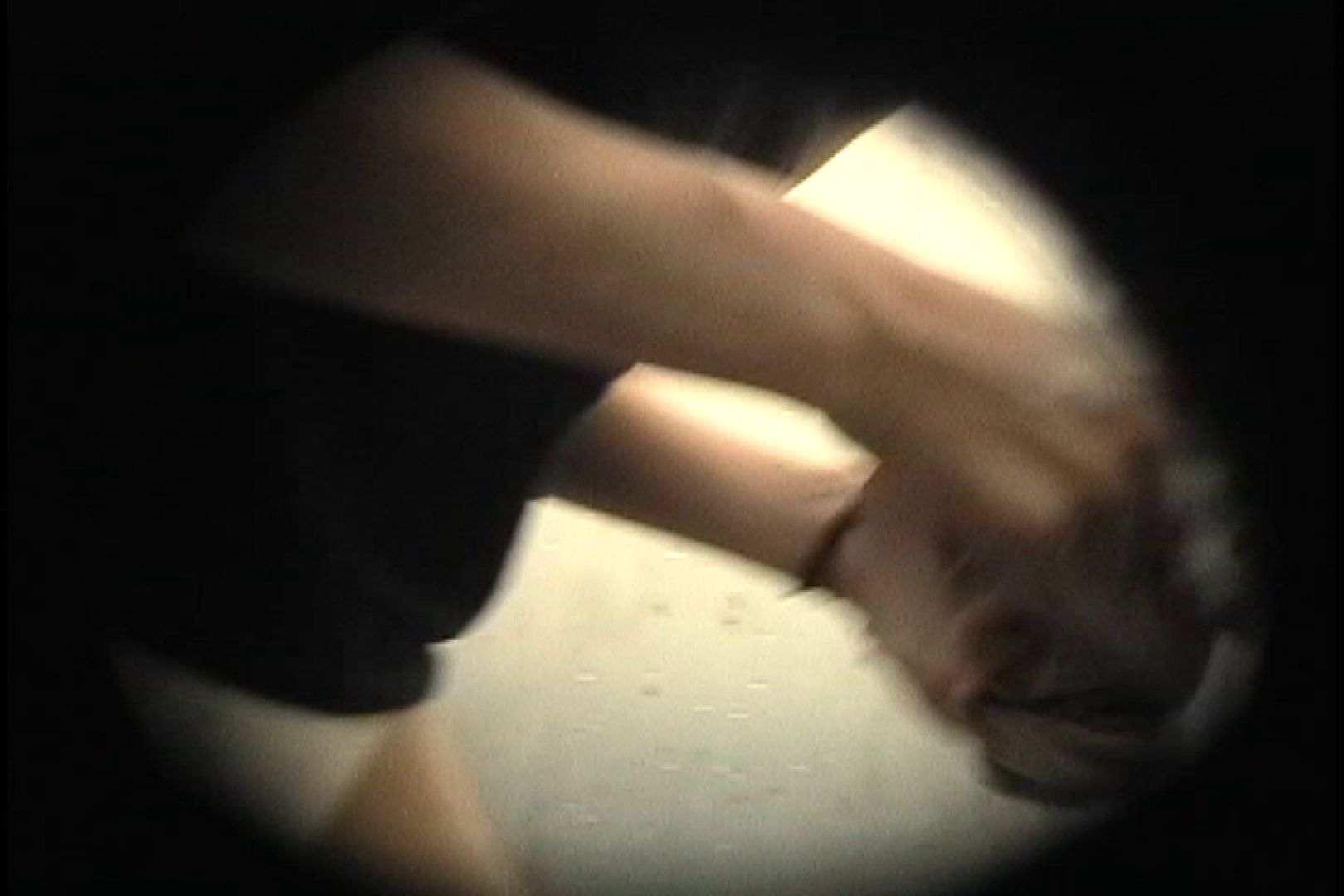 No.107 さすがの画質!濃い陰毛に阻まれ道が見えません 乙女だって。。。 | シャワー室  78画像 78
