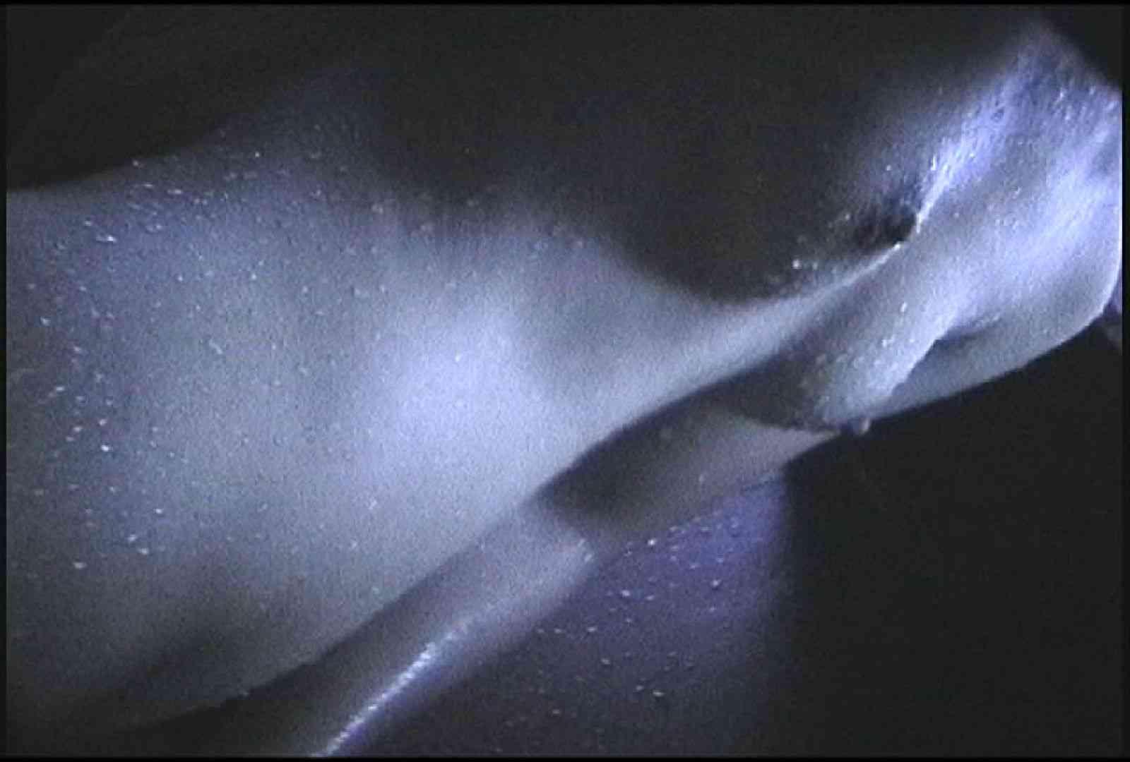 No.140 ブラジャーから年齢を推測してお楽しみください 細身女性   シャワー室  70画像 36