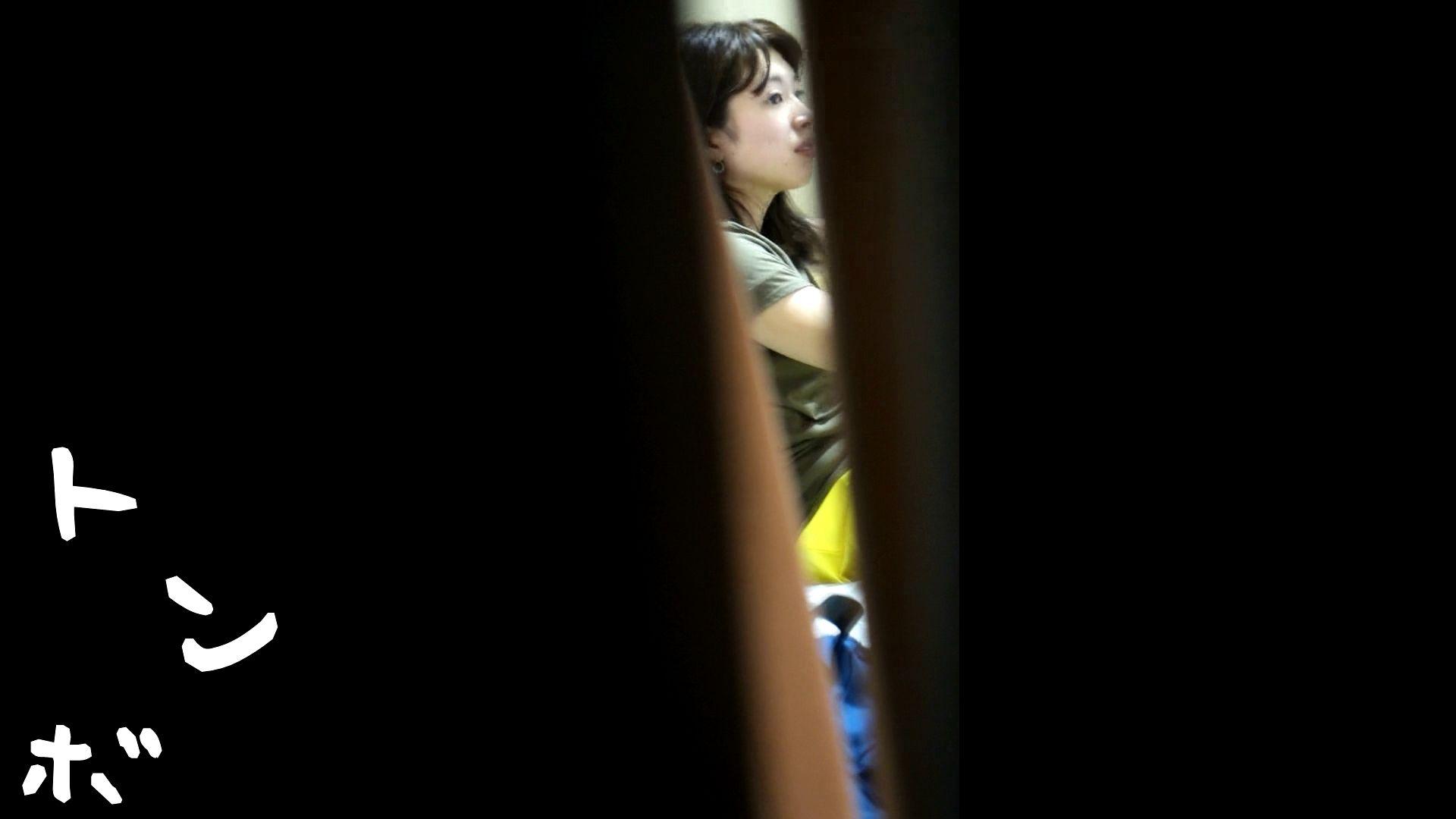 リアル盗撮 ピアスが可愛い一人暮らし女子大生の部屋ヌード ギャル攻め | 高評価  55画像 1