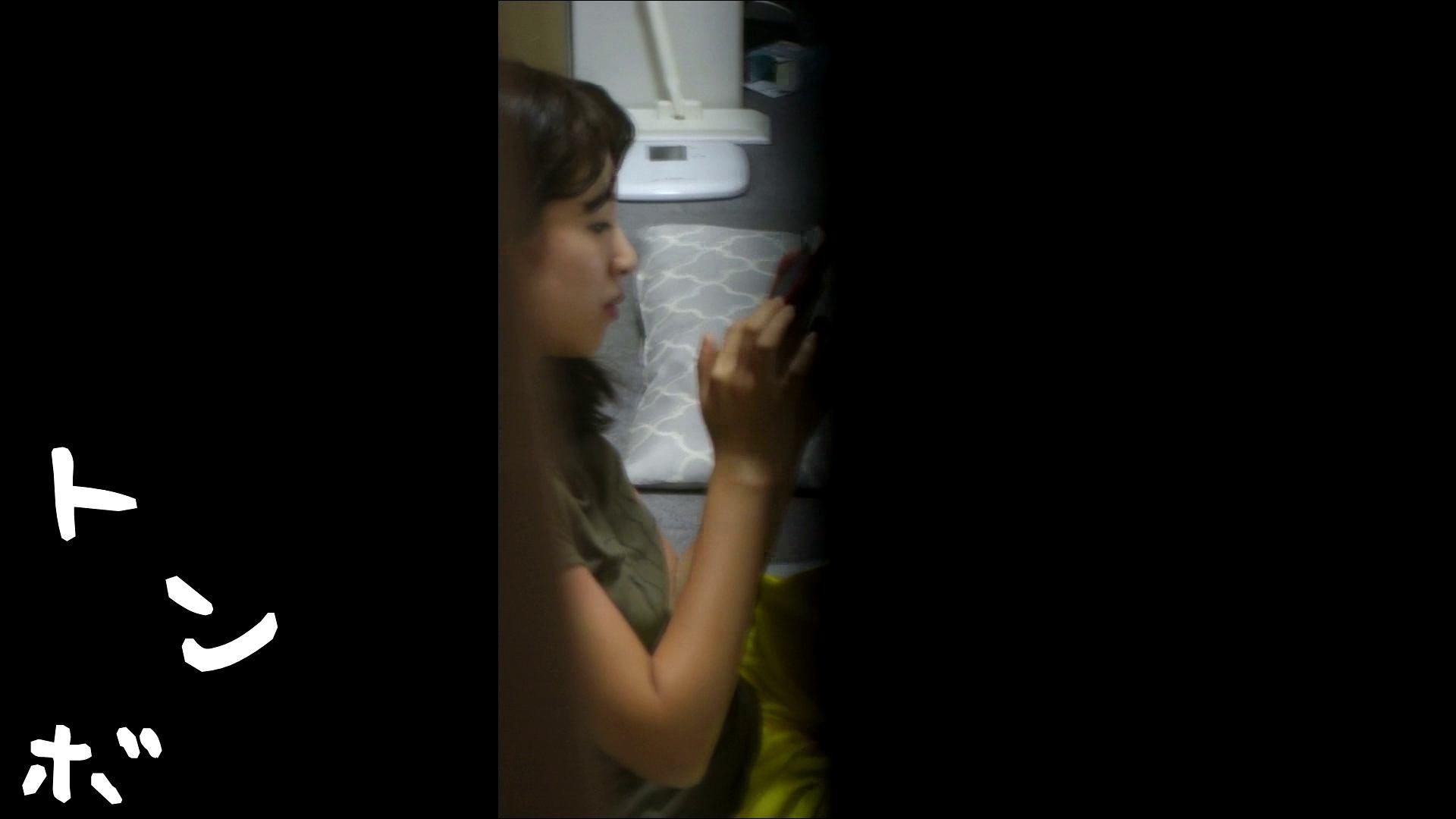 リアル盗撮 ピアスが可愛い一人暮らし女子大生の部屋ヌード ギャル攻め  55画像 28