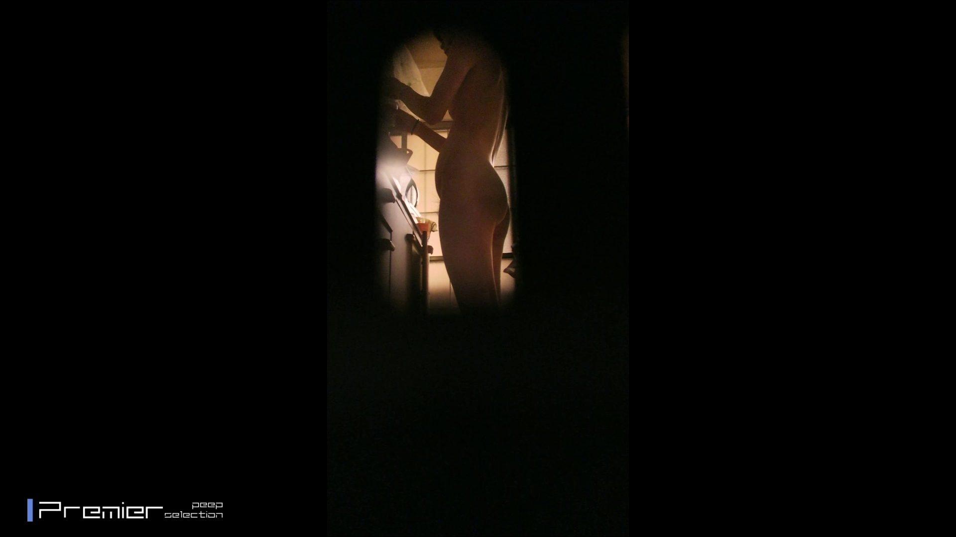 美女達の私生活に潜入!一人暮らし女子大生が見せる入浴前の恥ずかしい姿 桃色乳首 オメコ動画キャプチャ 107画像 93