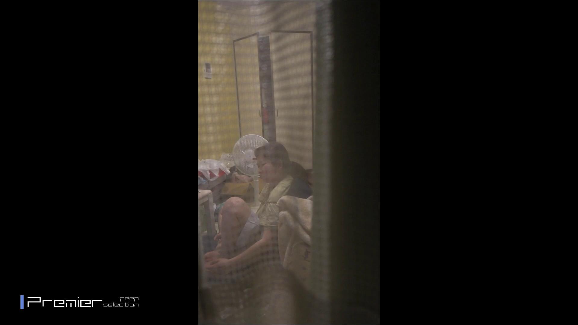 美女たちの日常を観察 美女達の私生活に潜入! 細身女性 スケベ動画紹介 109画像 51