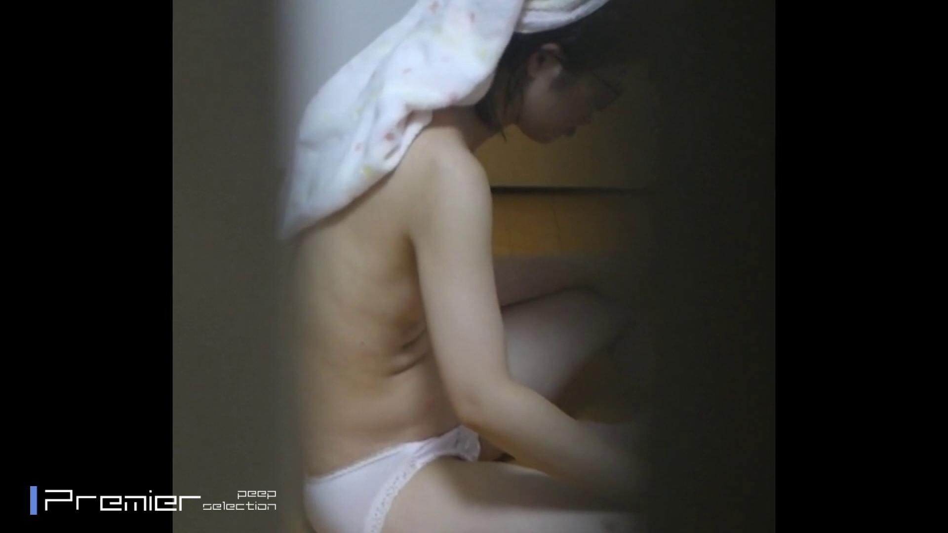 普段絶対に見ることができない清楚系OLの無防備な姿 美女達の私生活に潜入! シャワー室 スケベ動画紹介 68画像 64