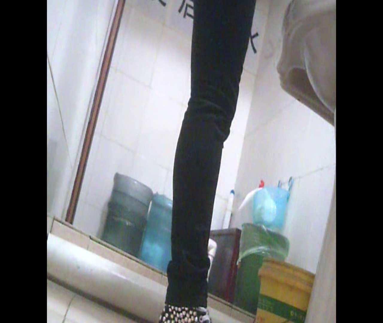 Vol.05 ズボンをはく時の左足! 洗面所  64画像 6