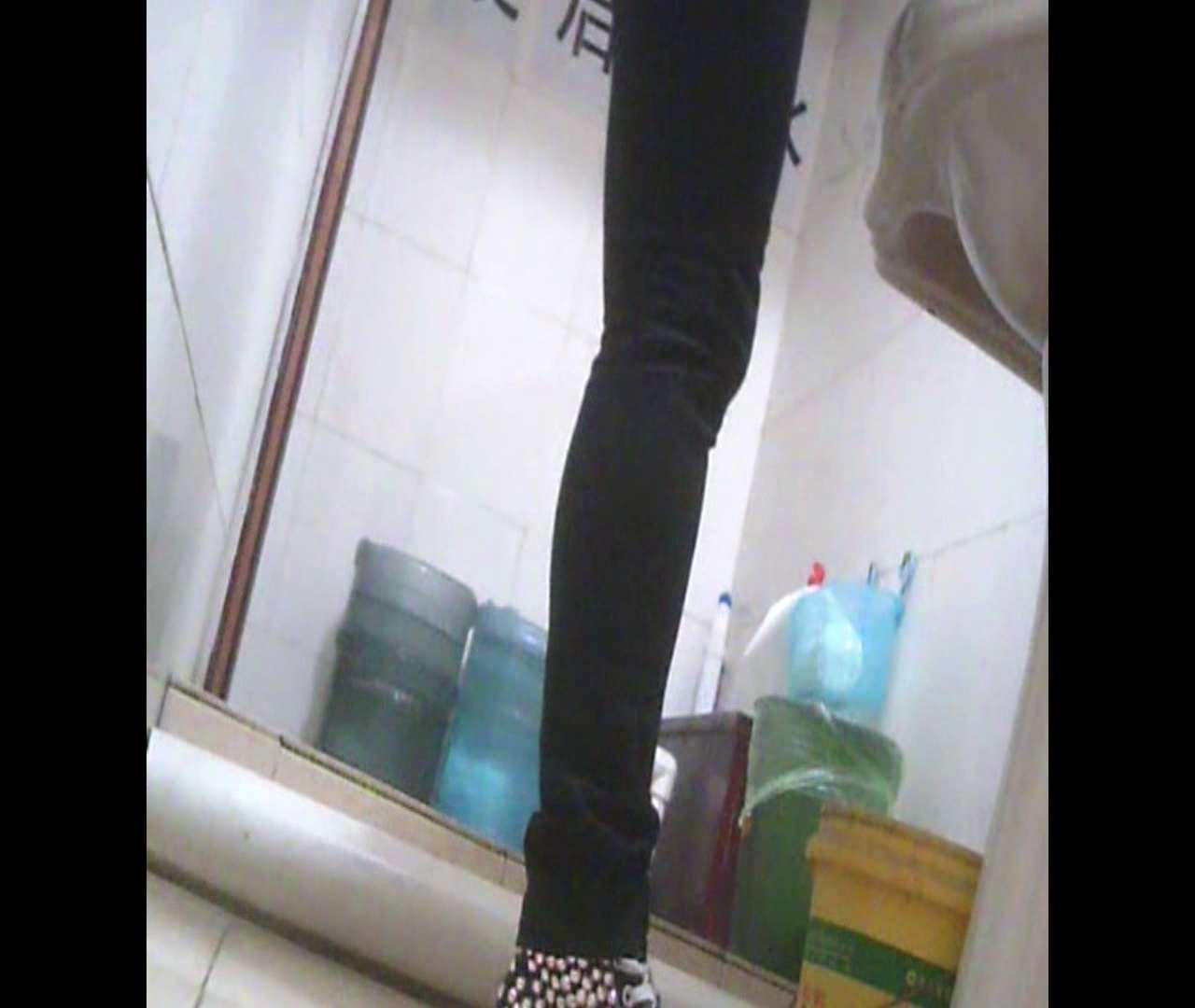 Vol.05 ズボンをはく時の左足! 洗面所 | 丸見え  64画像 11
