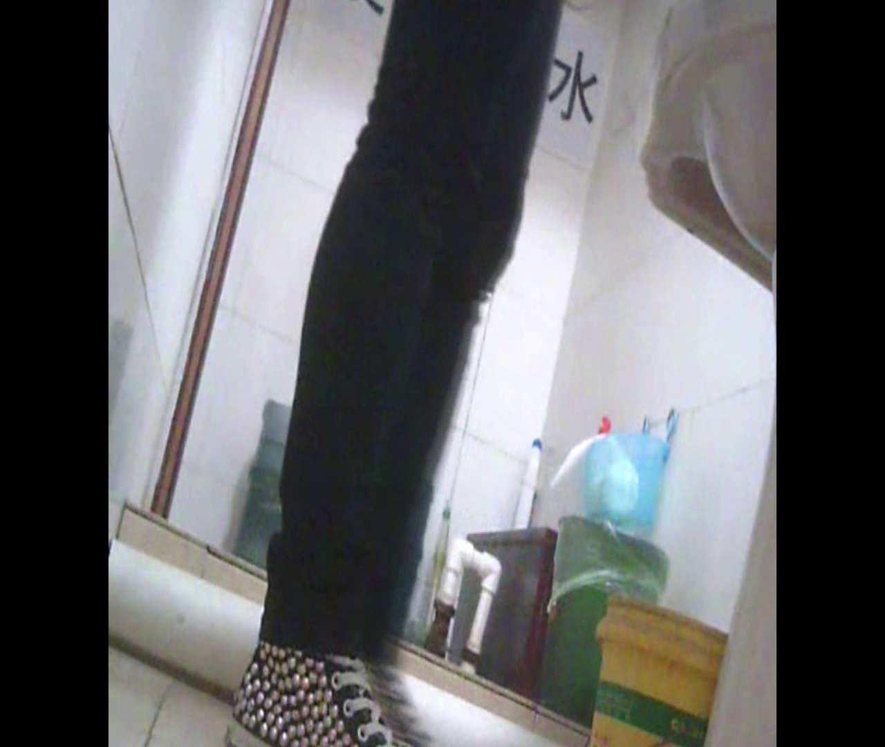 Vol.05 ズボンをはく時の左足! 洗面所  64画像 52