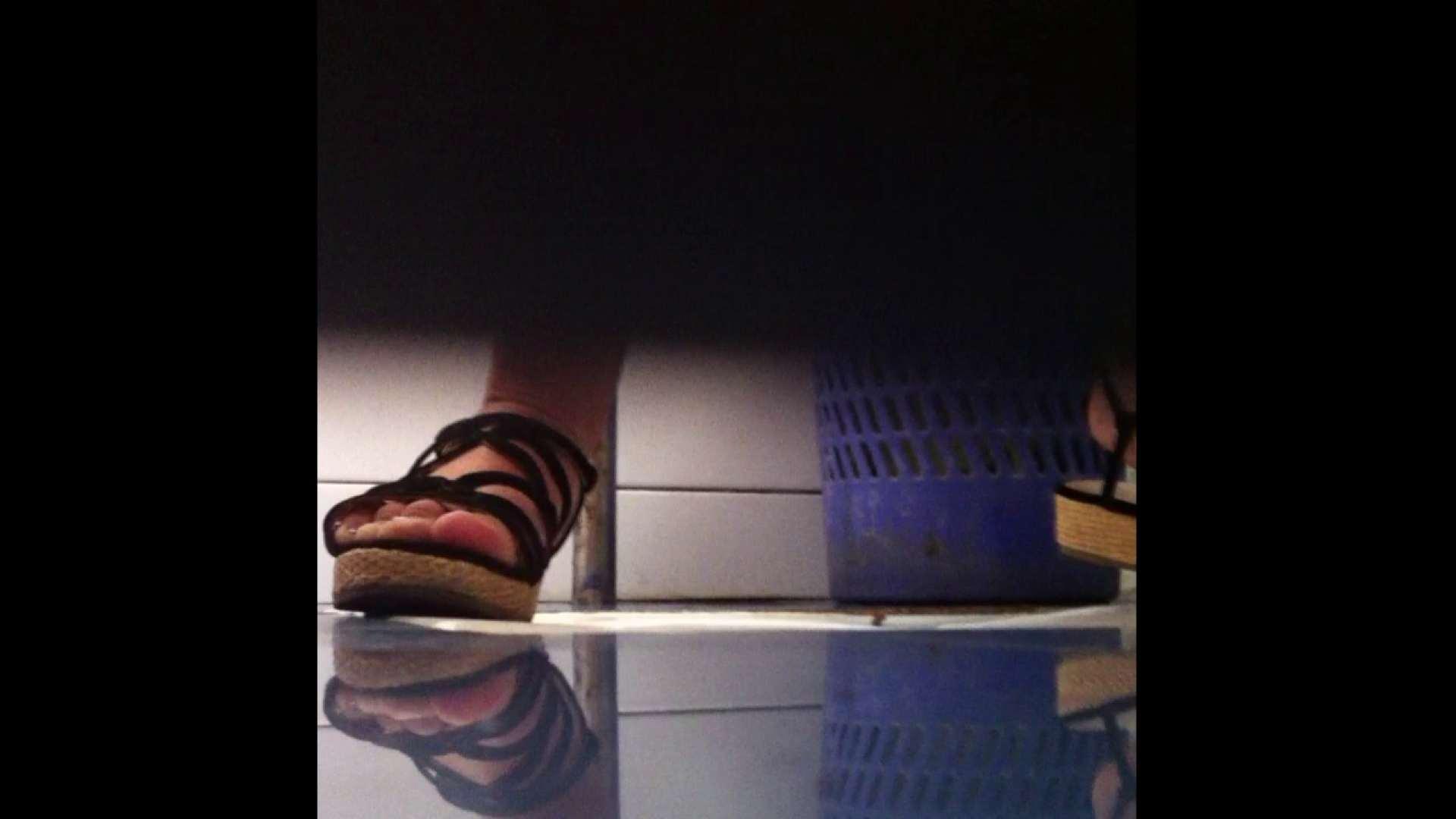 Vol.03 ちょっとお通じが・・・。そして足元の雰囲気でおたのしみください. 潜入 濡れ場動画紹介 67画像 13