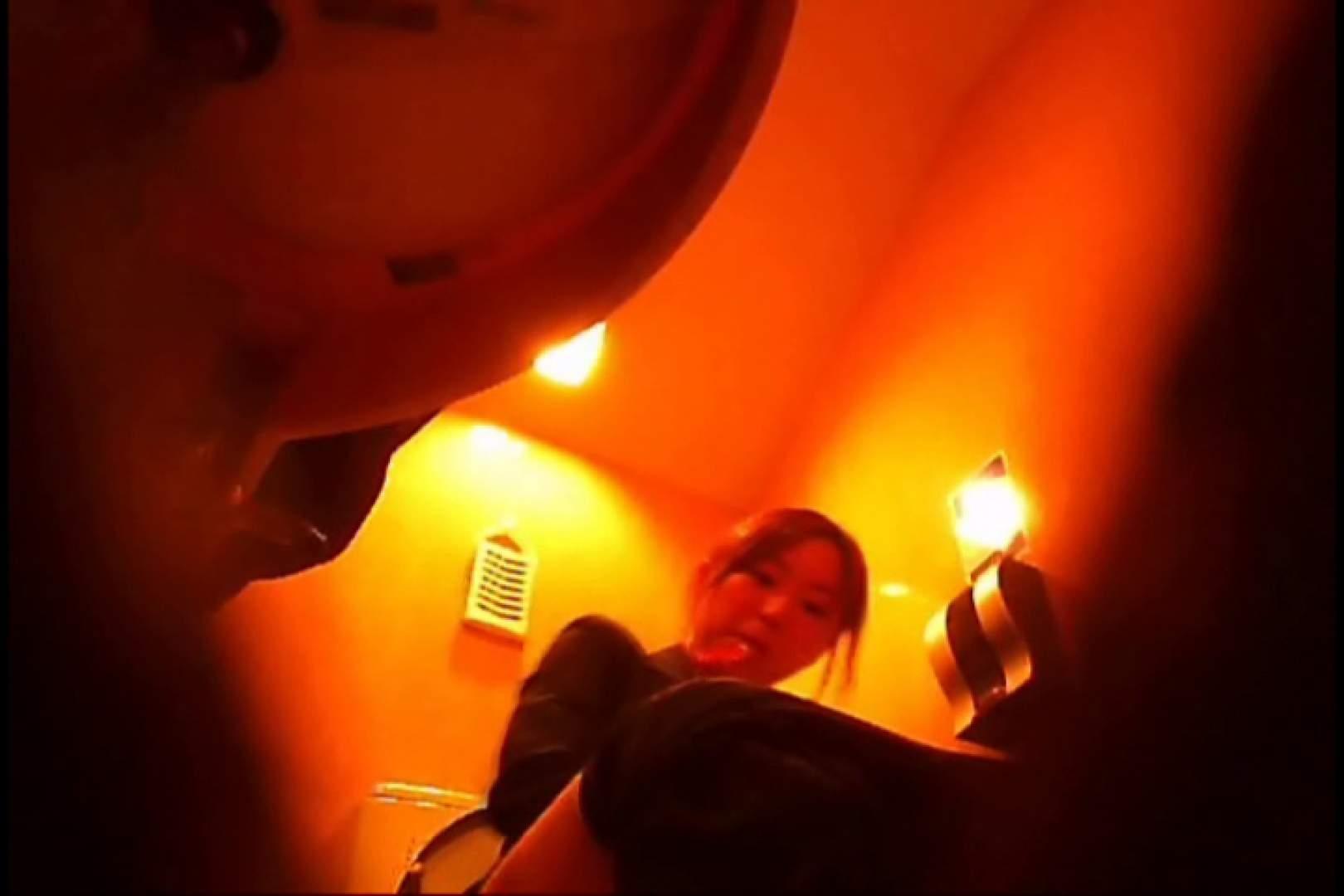 オマンコ丸見え:潜入!!女子化粧室盗撮~絶対見られたくない時間~vo,13:大奥