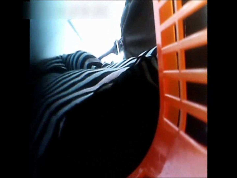 オマンコ丸見え:ぴざさん初投稿!「ぴざ」流逆さ撮り列伝VOL.22(一般お姉さん、奥様編):ピープフォックス(盗撮狐)